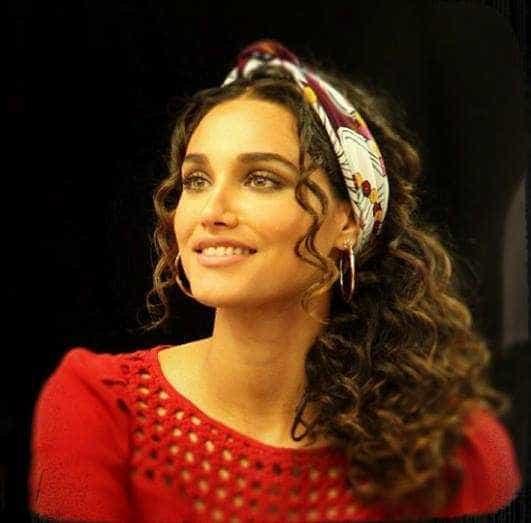 Após separação, Débora Nascimento ganha elogio de Claudia Raia