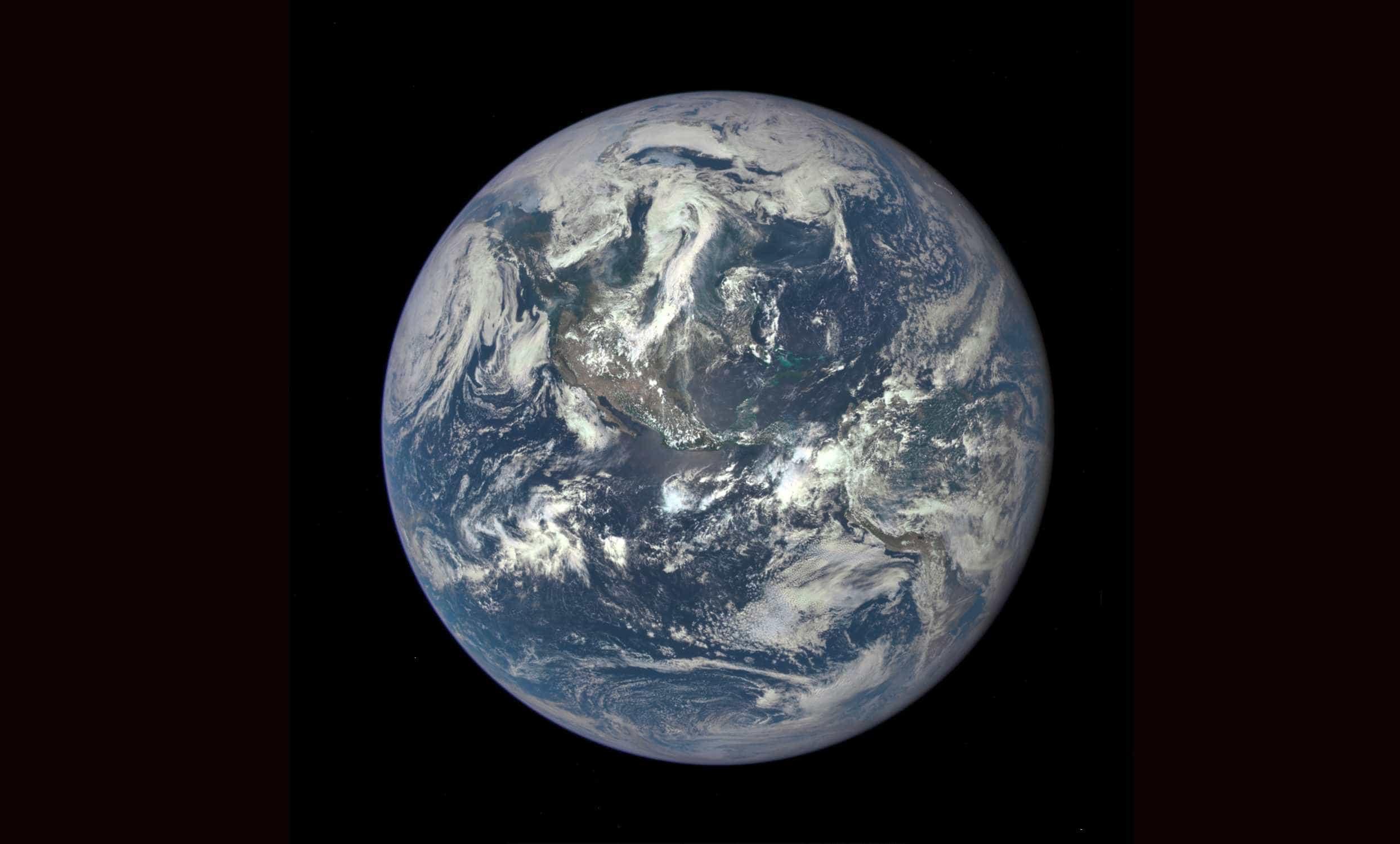 Polo norte magnético da Terra está se deslocando para Sibéria