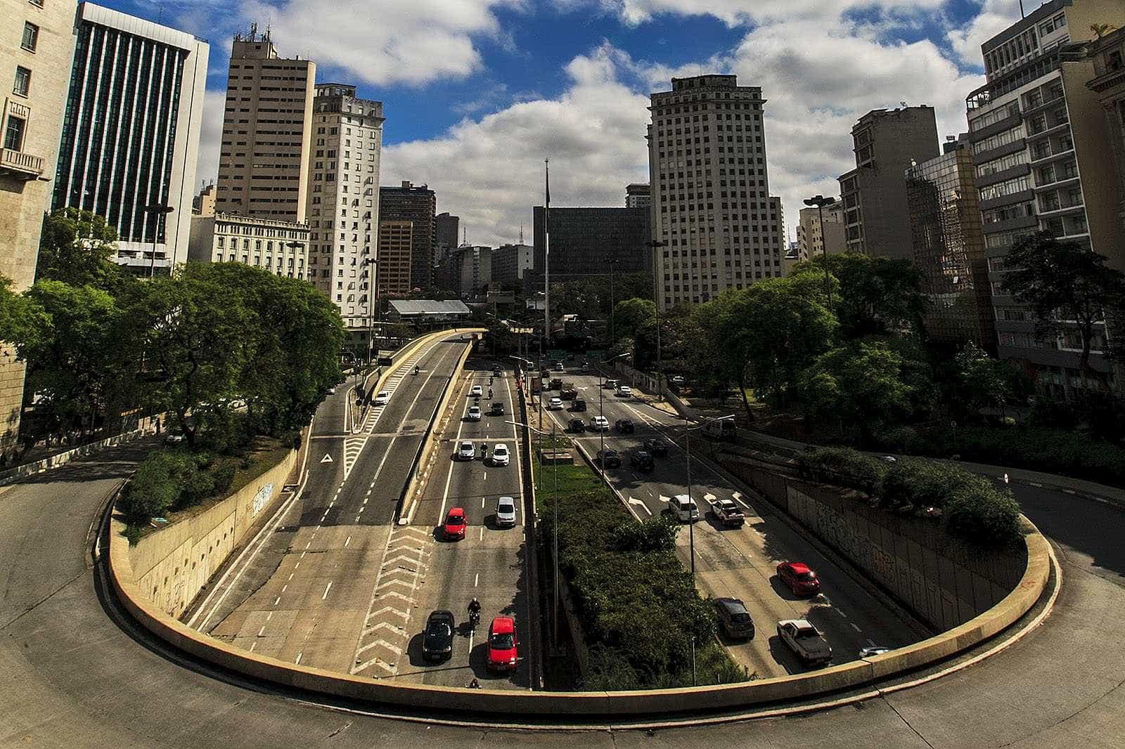14 de 16 viadutos em SP precisam ser interditados, diz Promotoria