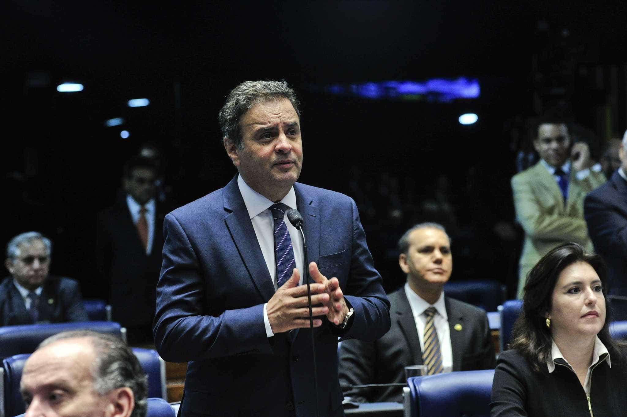 É preciso pacificar forças políticas após a votação, diz Aécio