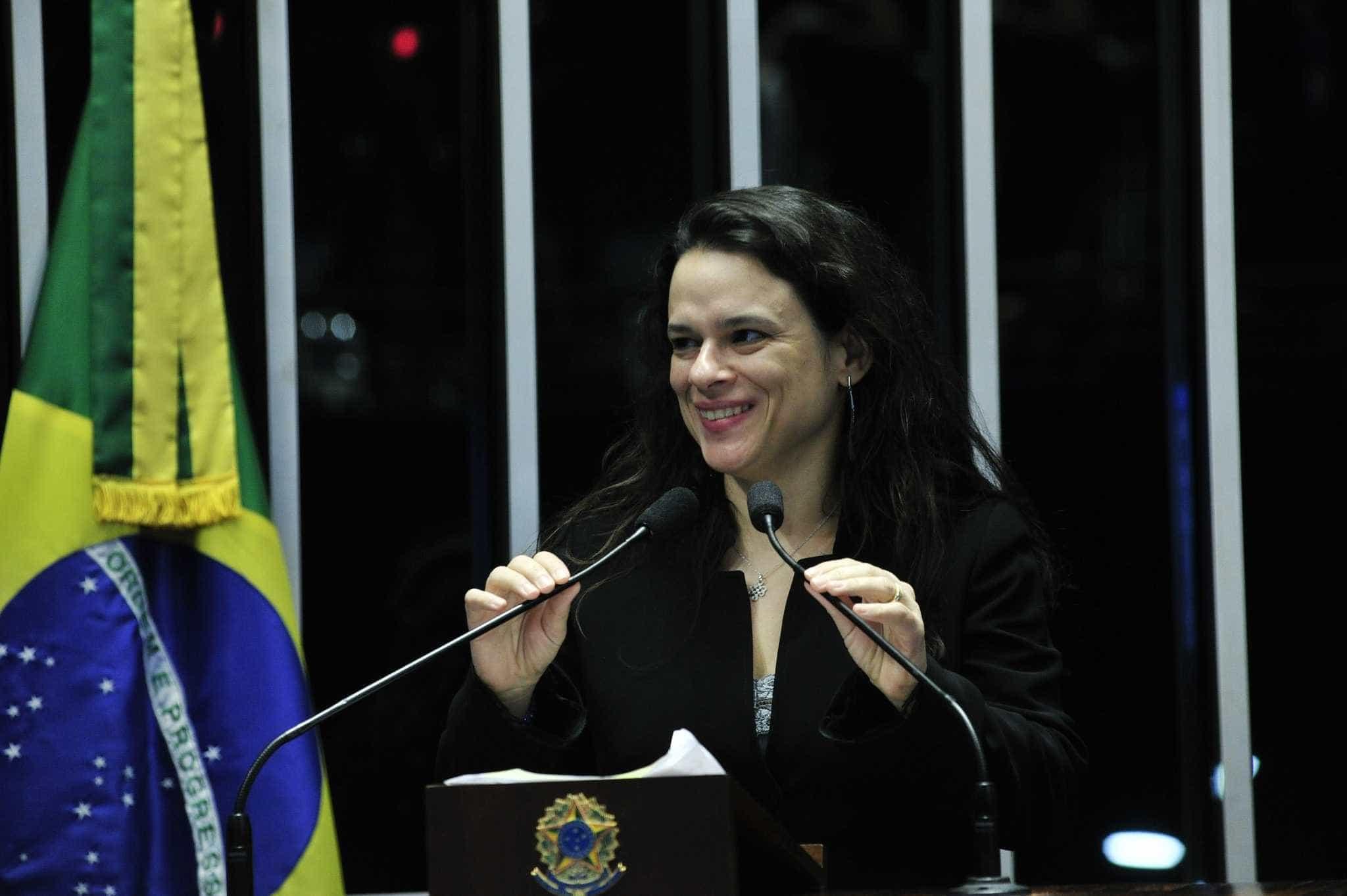 Janaína Paschoal recusa convite para ser vice na chapa de Bolsonaro