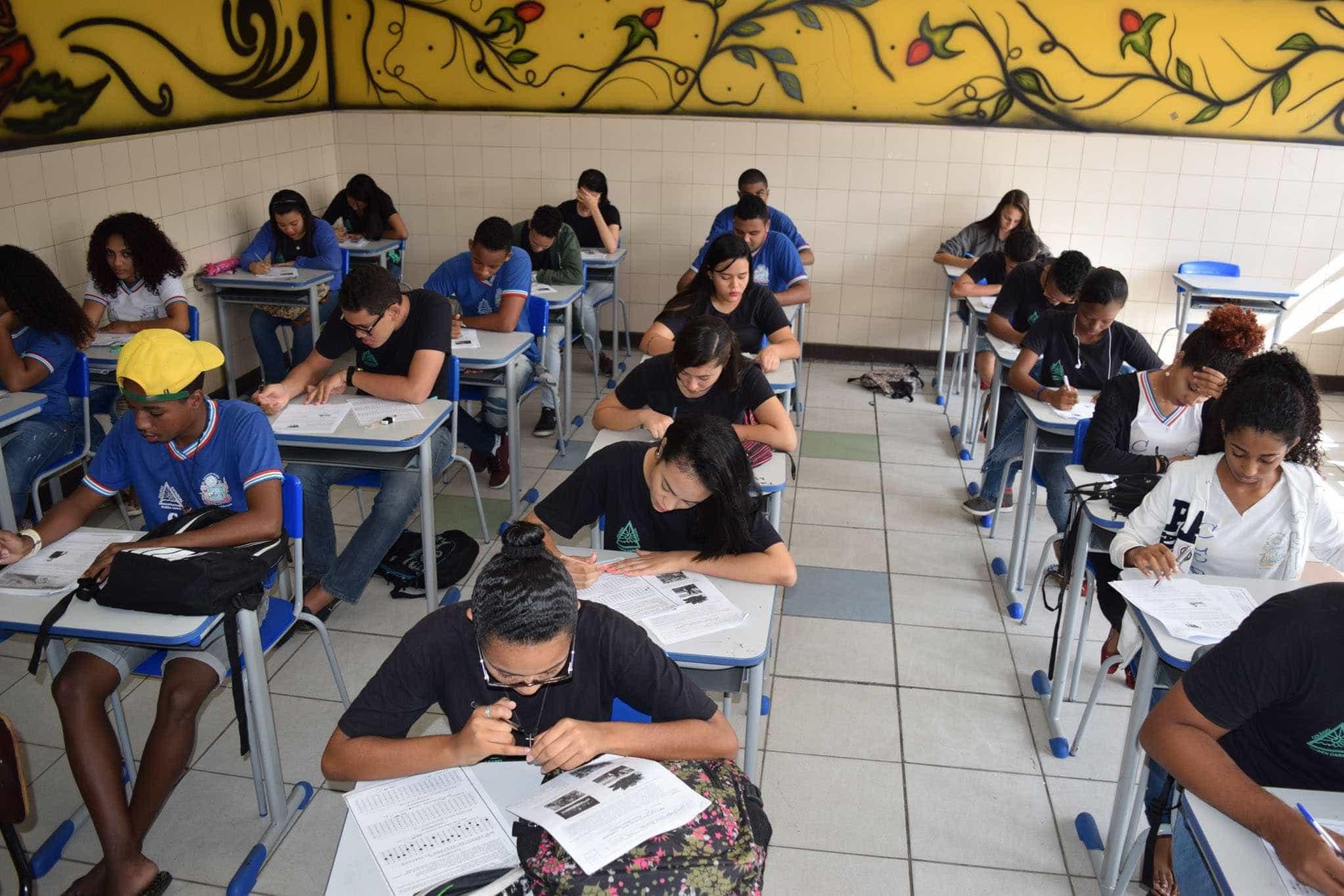 Educação não pode depender de onde o aluno nasce, diz guru de Ciro