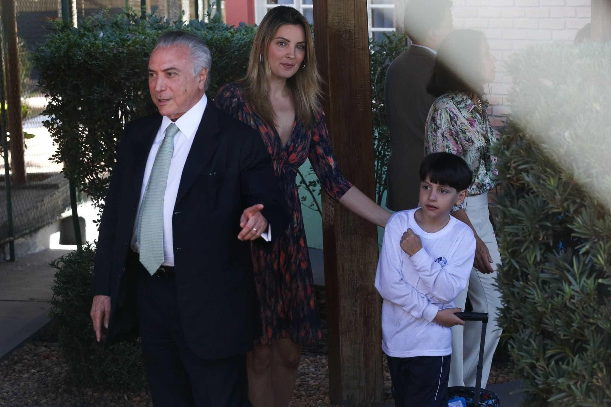Marcela Temer pede reunião em escola para Michelzinho retomar rotina