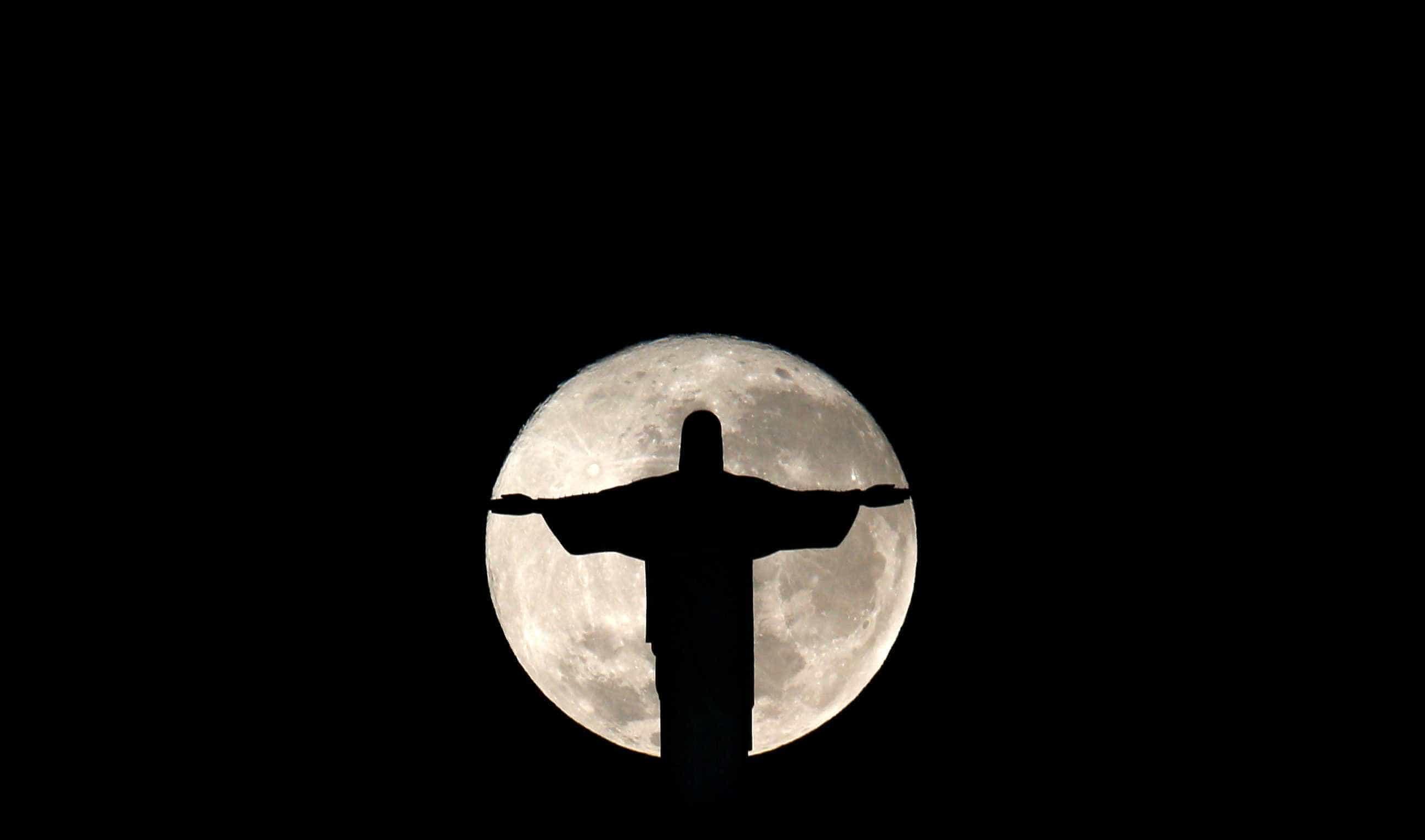 Superlua poderá ser vista hoje na América do Sul e Norte