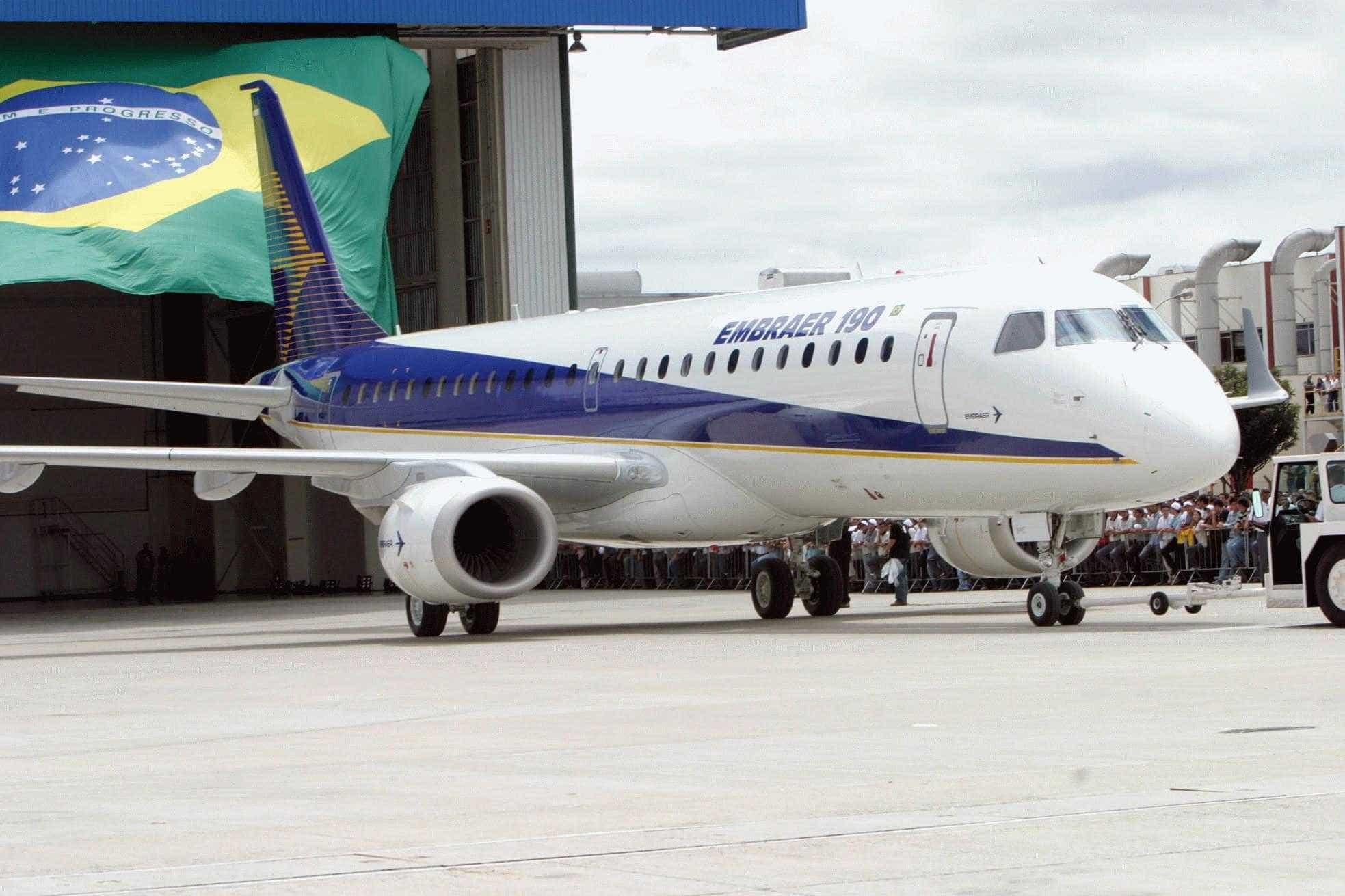 Justiça suspende assembleia da Embraer sobre fusão com Boeing