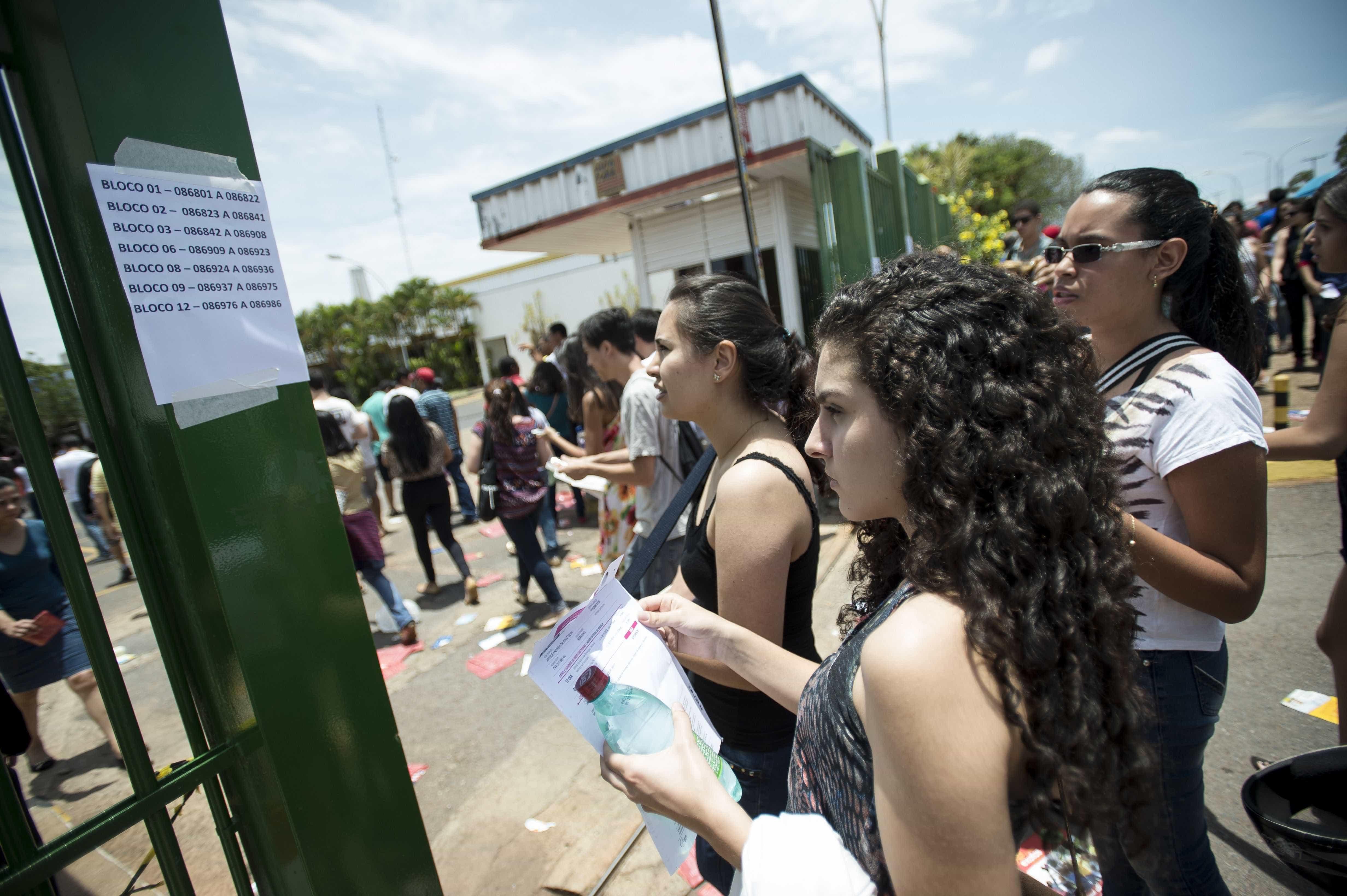 Concursos oferecem quase 17 mil vagas com salários de até R$ 35,5 mil