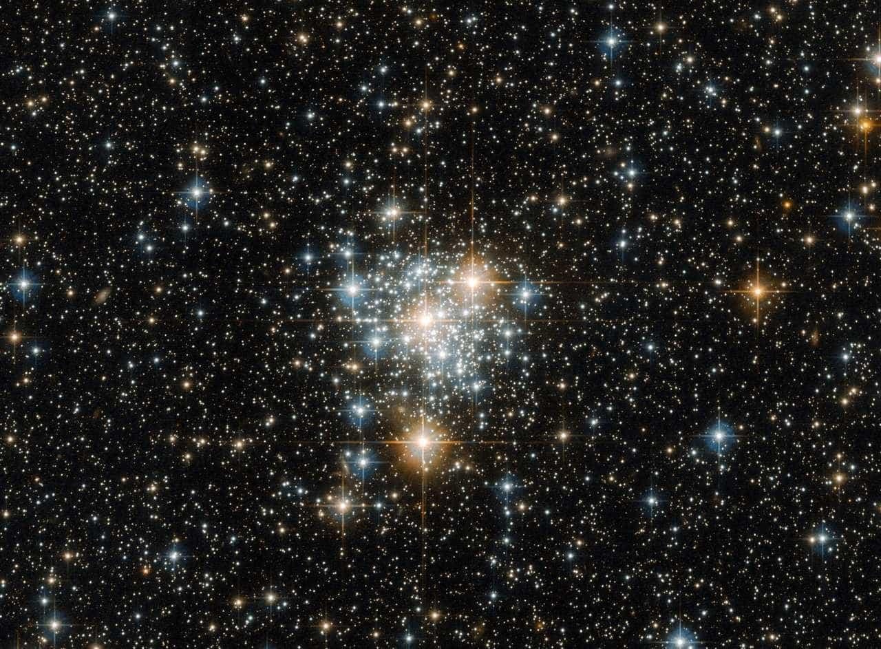 Astrônomos revelam misteriosa estrela que perdeu o brilho