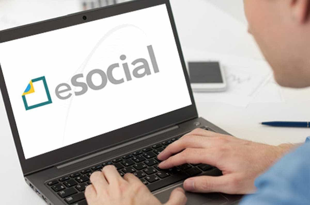 Receita diz que um milhão de empresas já aderiram ao eSocial