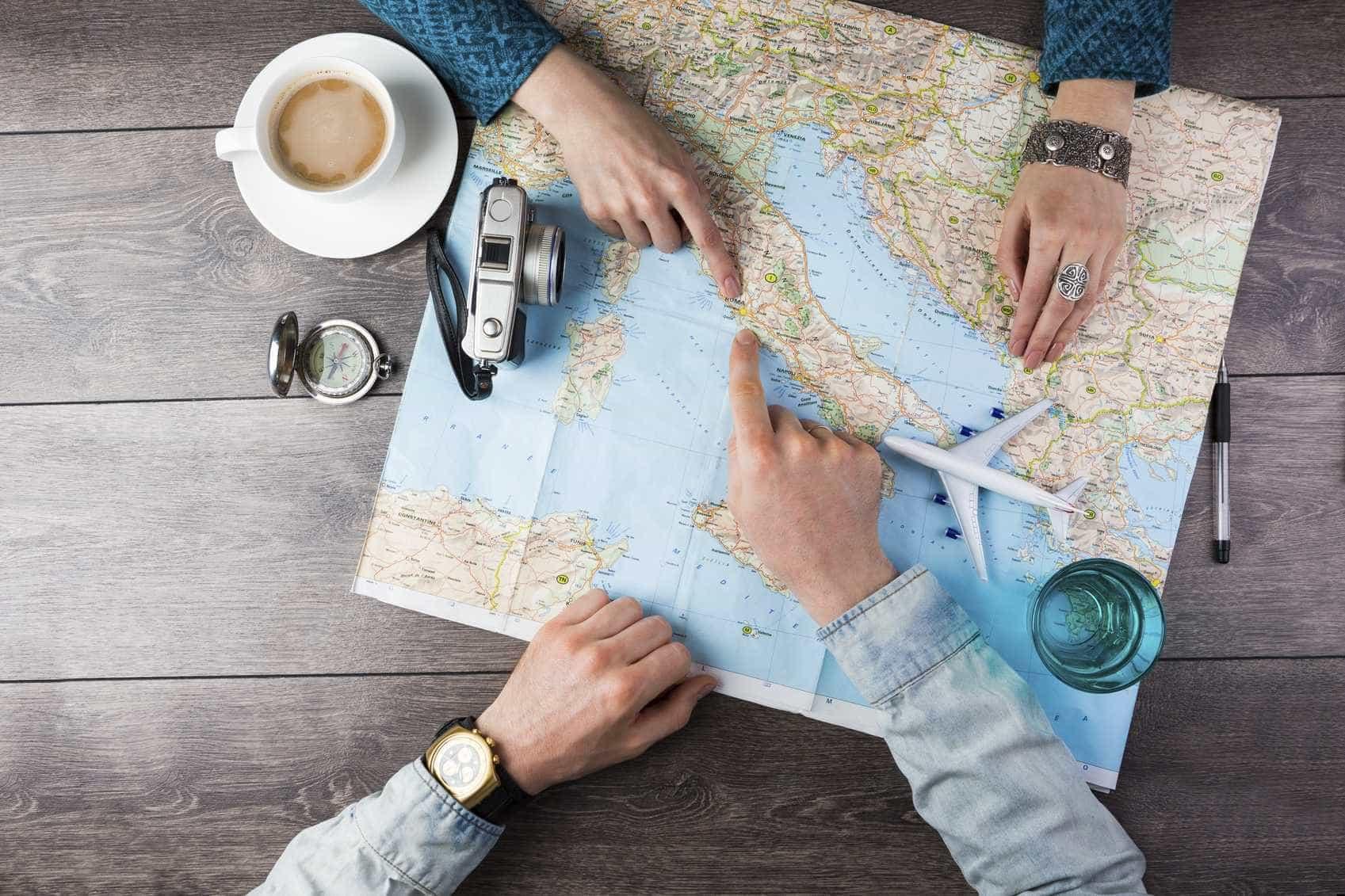 Conheça as regras de 6 países diferentes para trabalhar e estudar