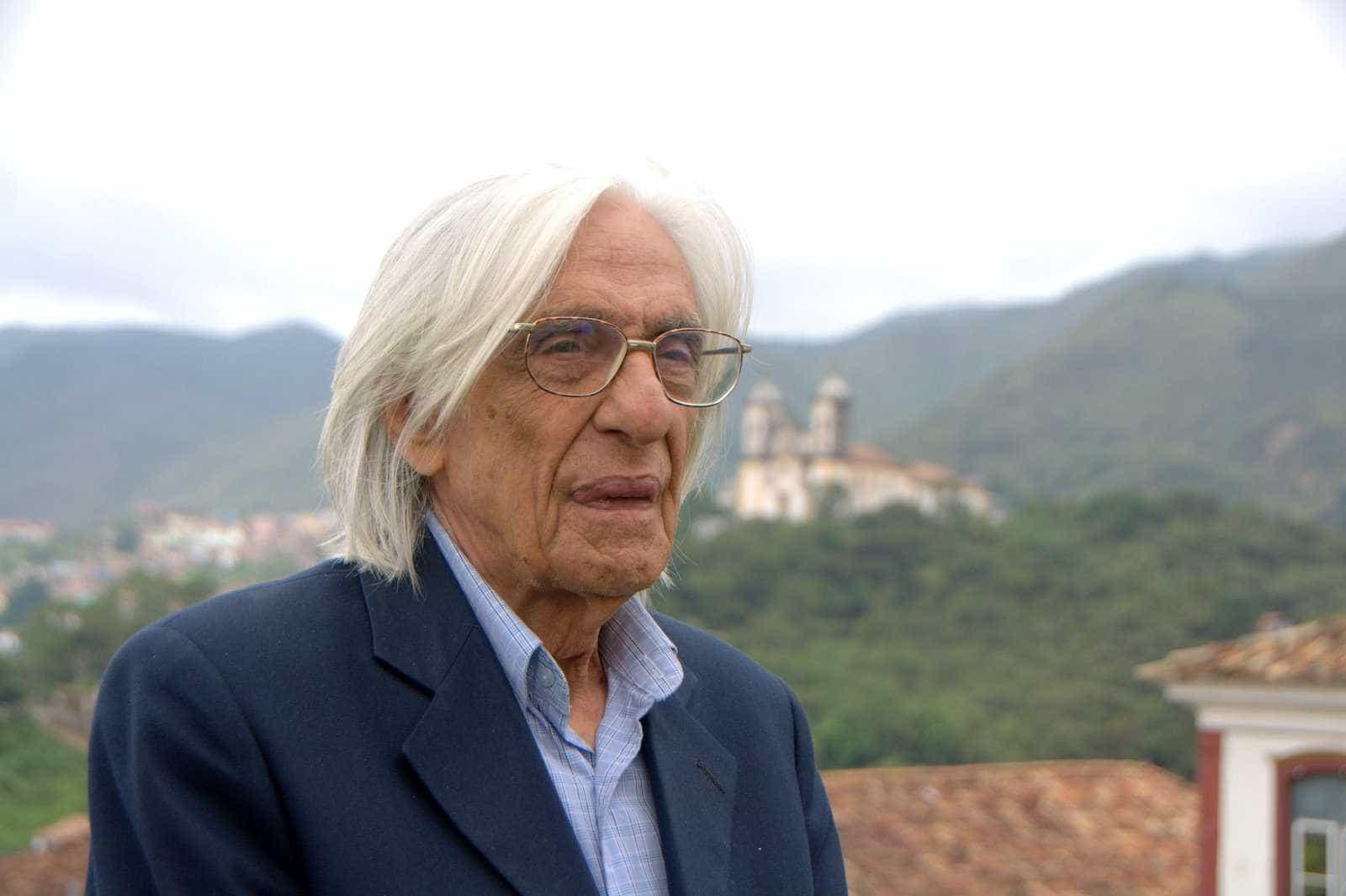 Galeria de São Paulo expõe relevos em papel de Ferreira Gullar
