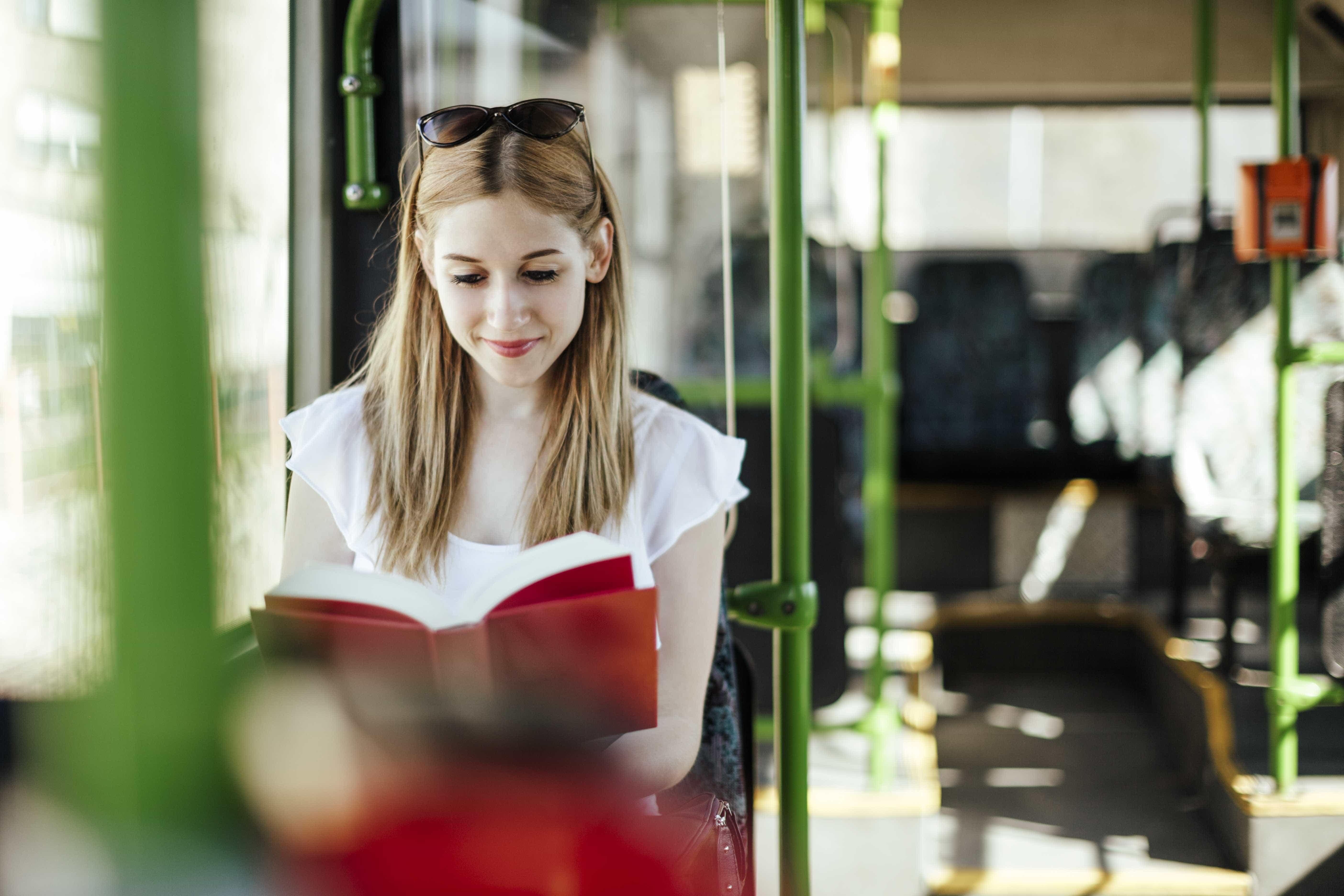 Fim de bibliotecas em ônibus faz leitura despencar em SP