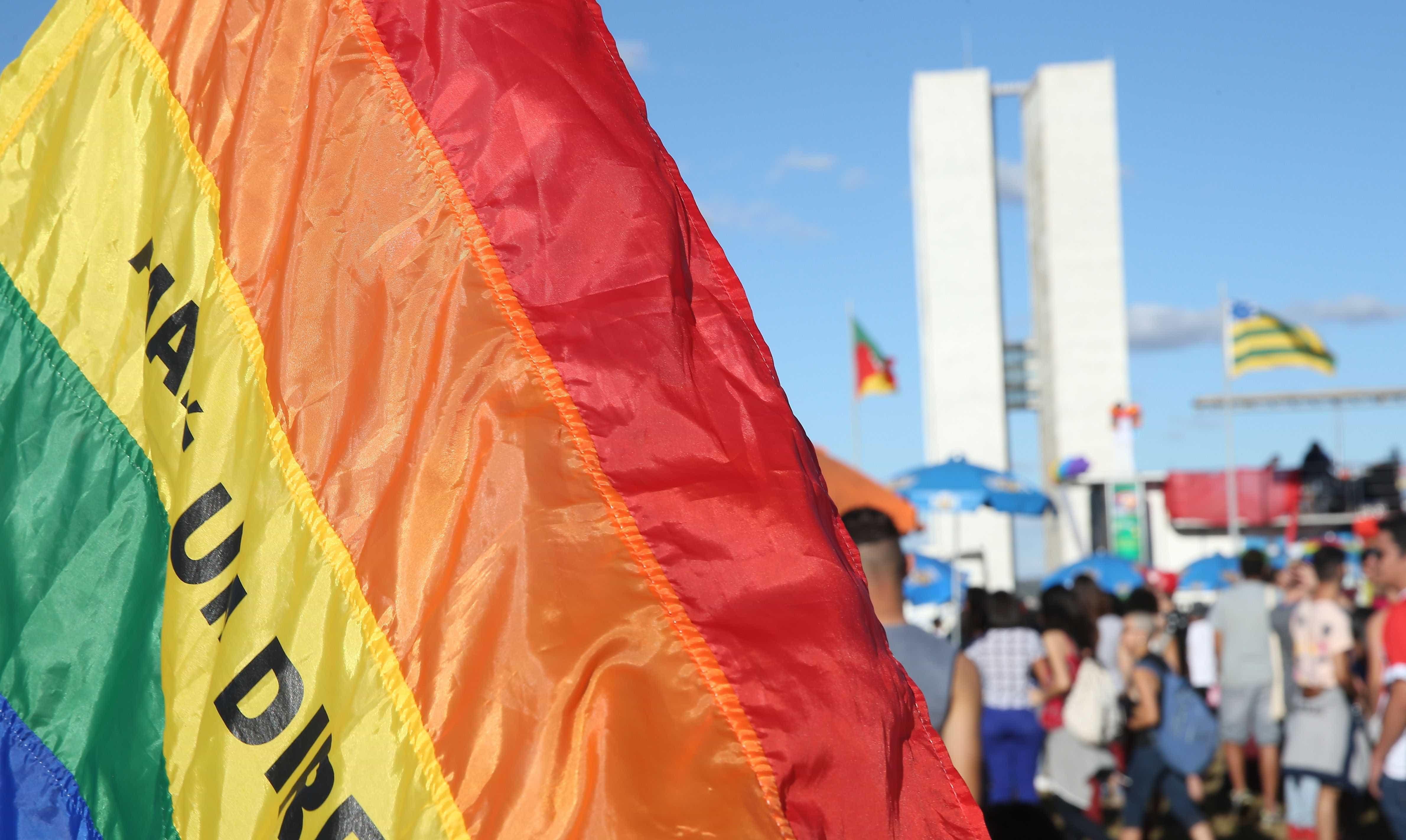 Deputados pedem impeachment de quem votou por criminalizar homofobia