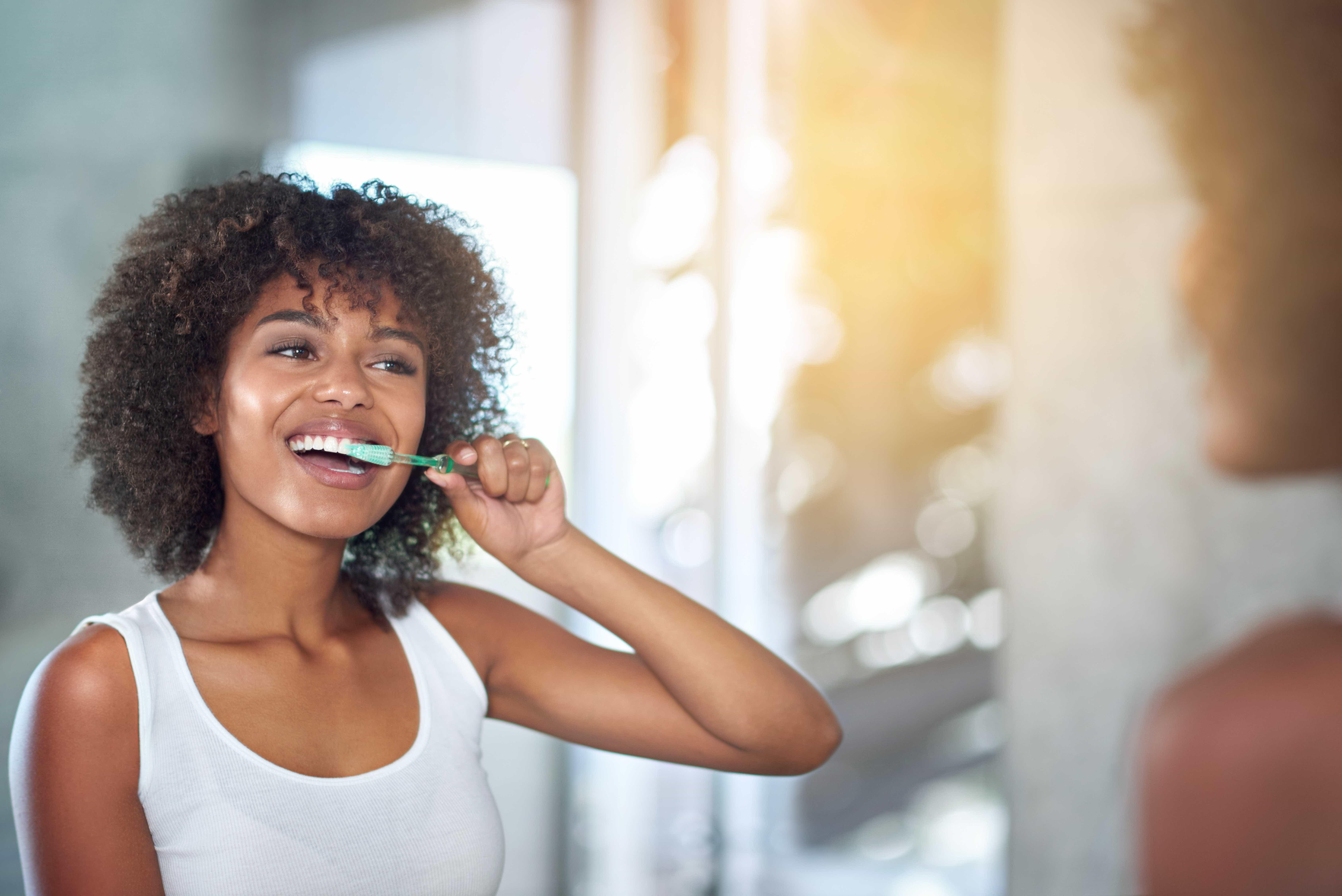 5 erros comuns que prejudicam os dentes