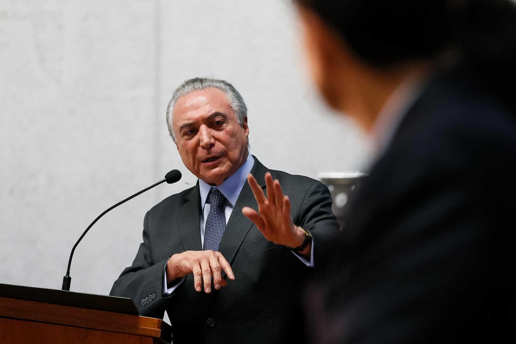 Temer chega às 13h a Porto Alegre  para velório de Teori