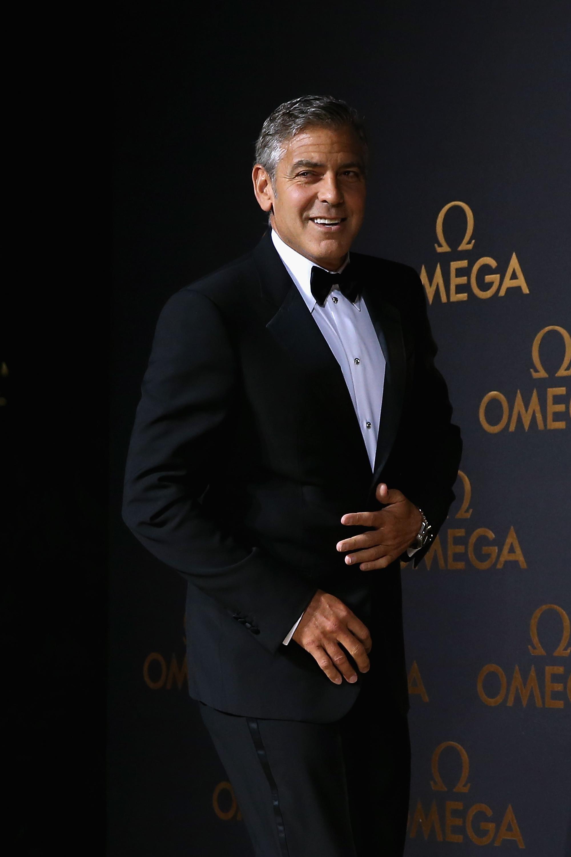 Câmera de segurança flagra acidente de George Clooney