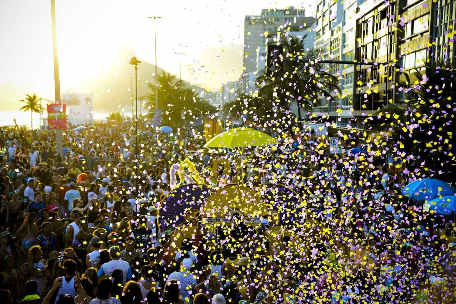 Com menos blocos, carnaval do Rio deve reunir 7 milhões de foliões