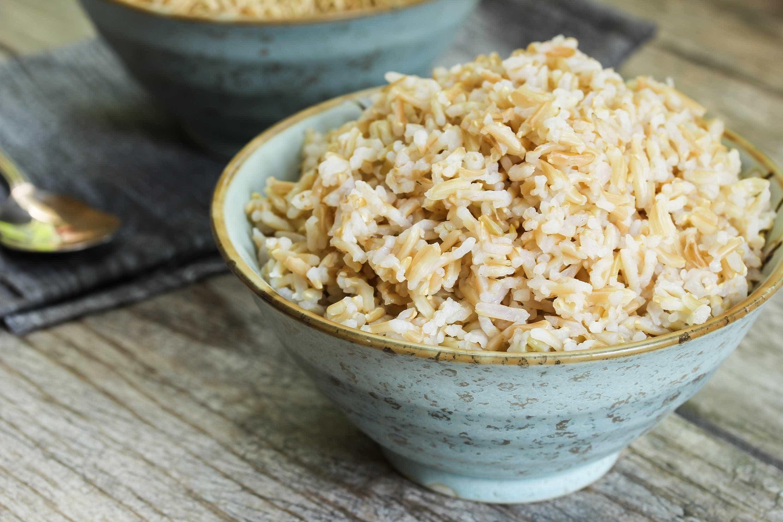 Confira o passo a passo para cozinhar o arroz integral perfeito