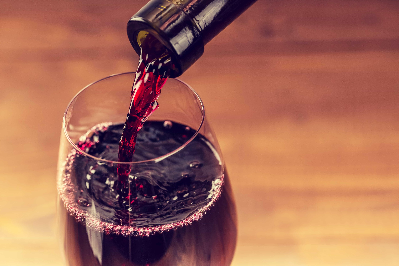 Beber vinho emagrece? Descubra de uma vez por todas