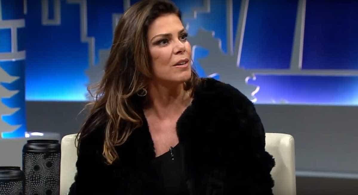 Gisele Fraga afirma estar solteira e desgastada após traições