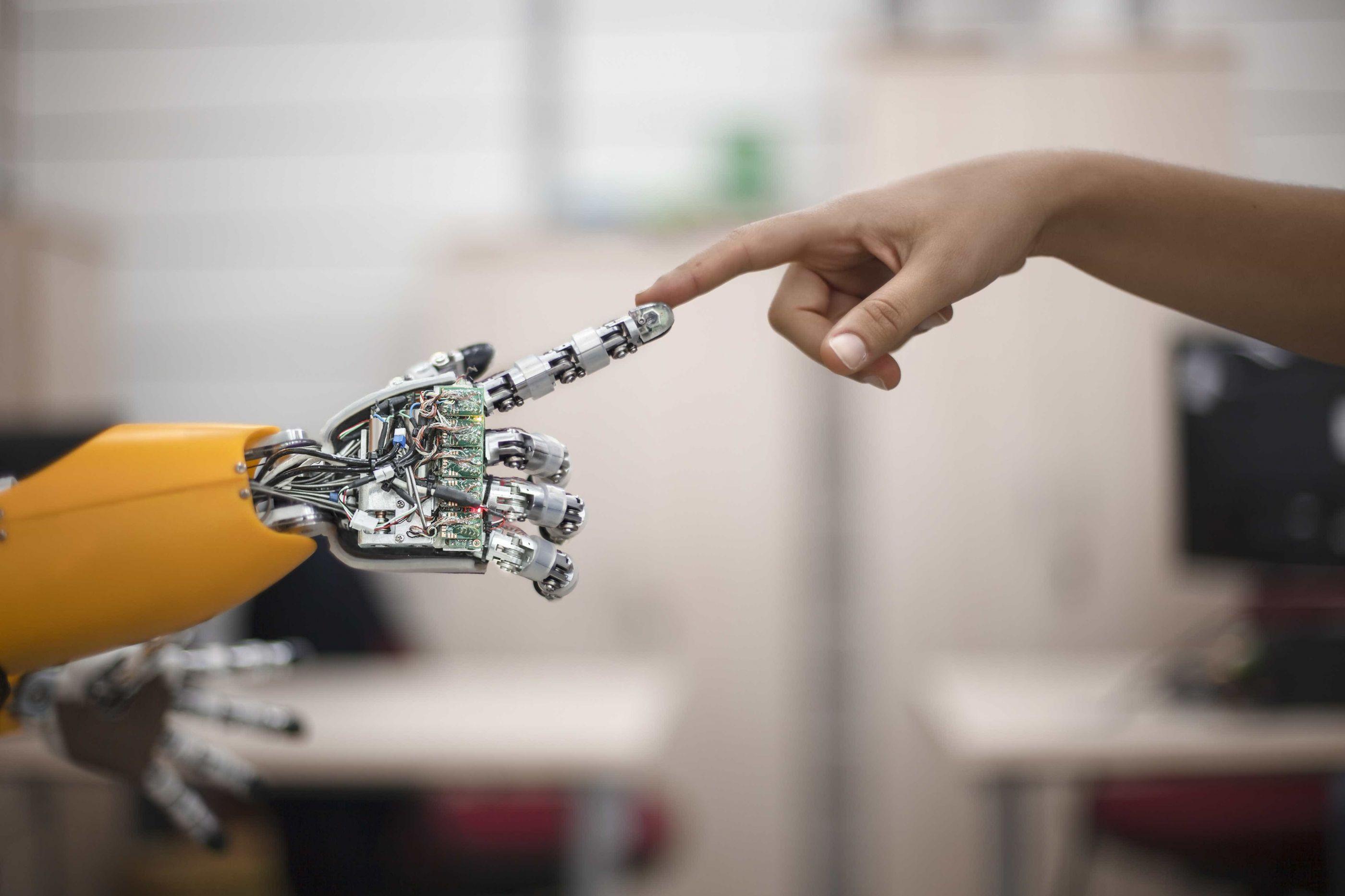 Japão quer robôs em salas de aula para ensinar inglês