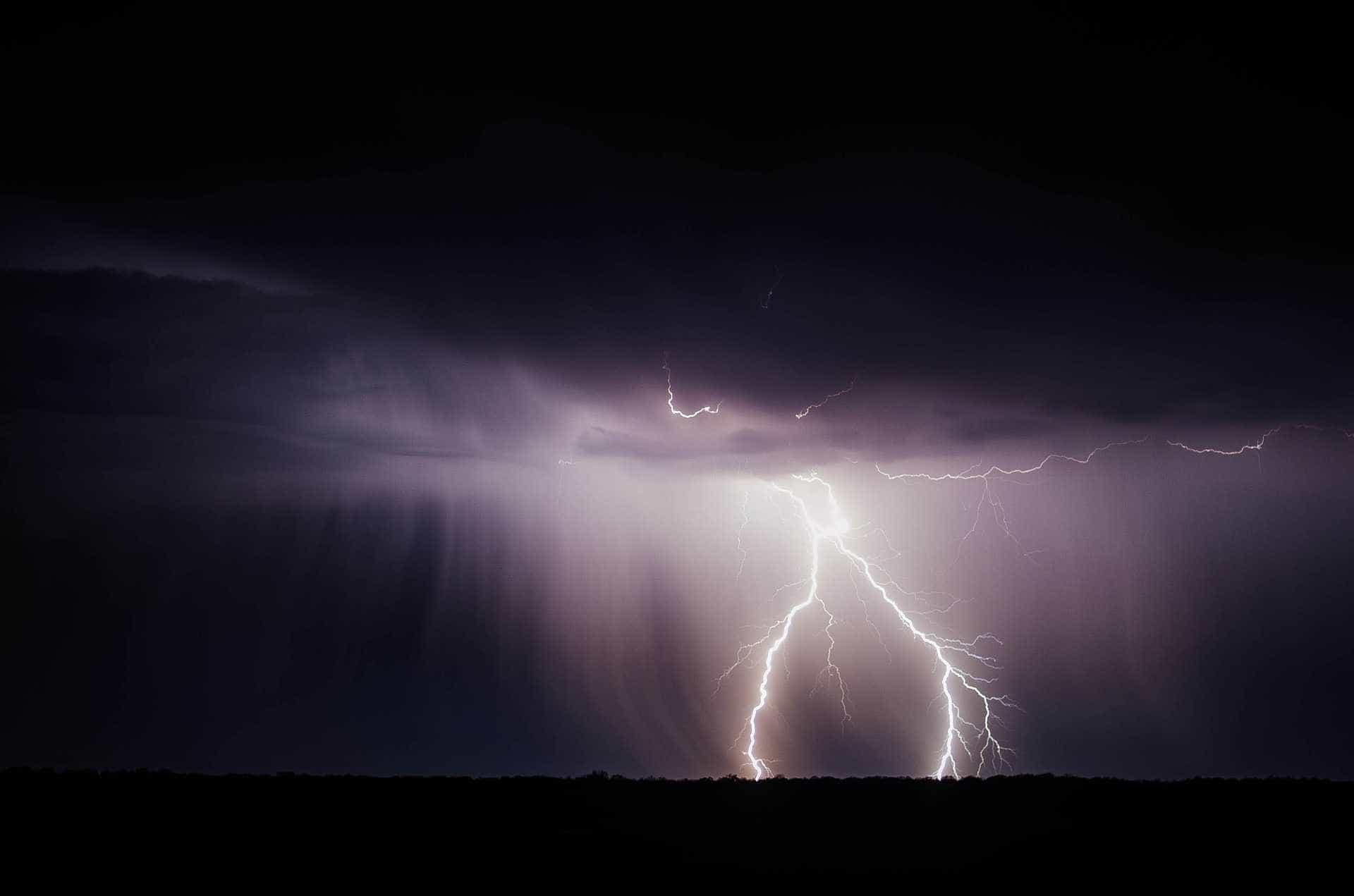 4 mil raios são registrados em temporal na região de Ribeirão Preto