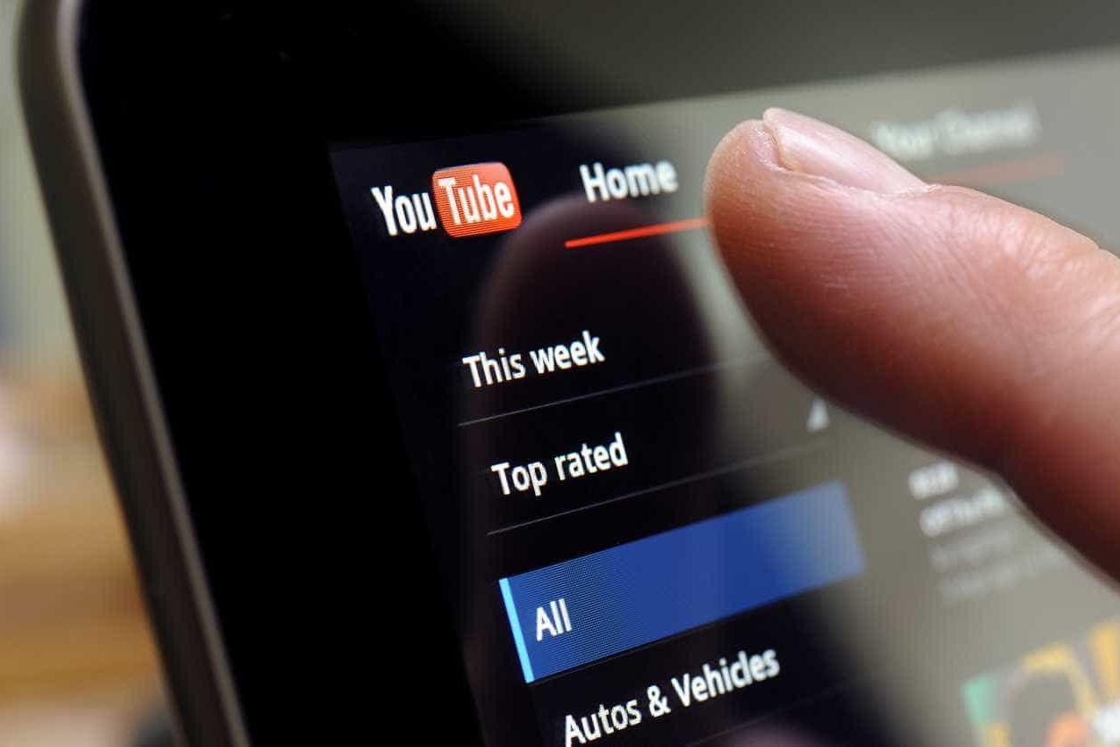 Ver YouTube à noite será mais confortável em Android