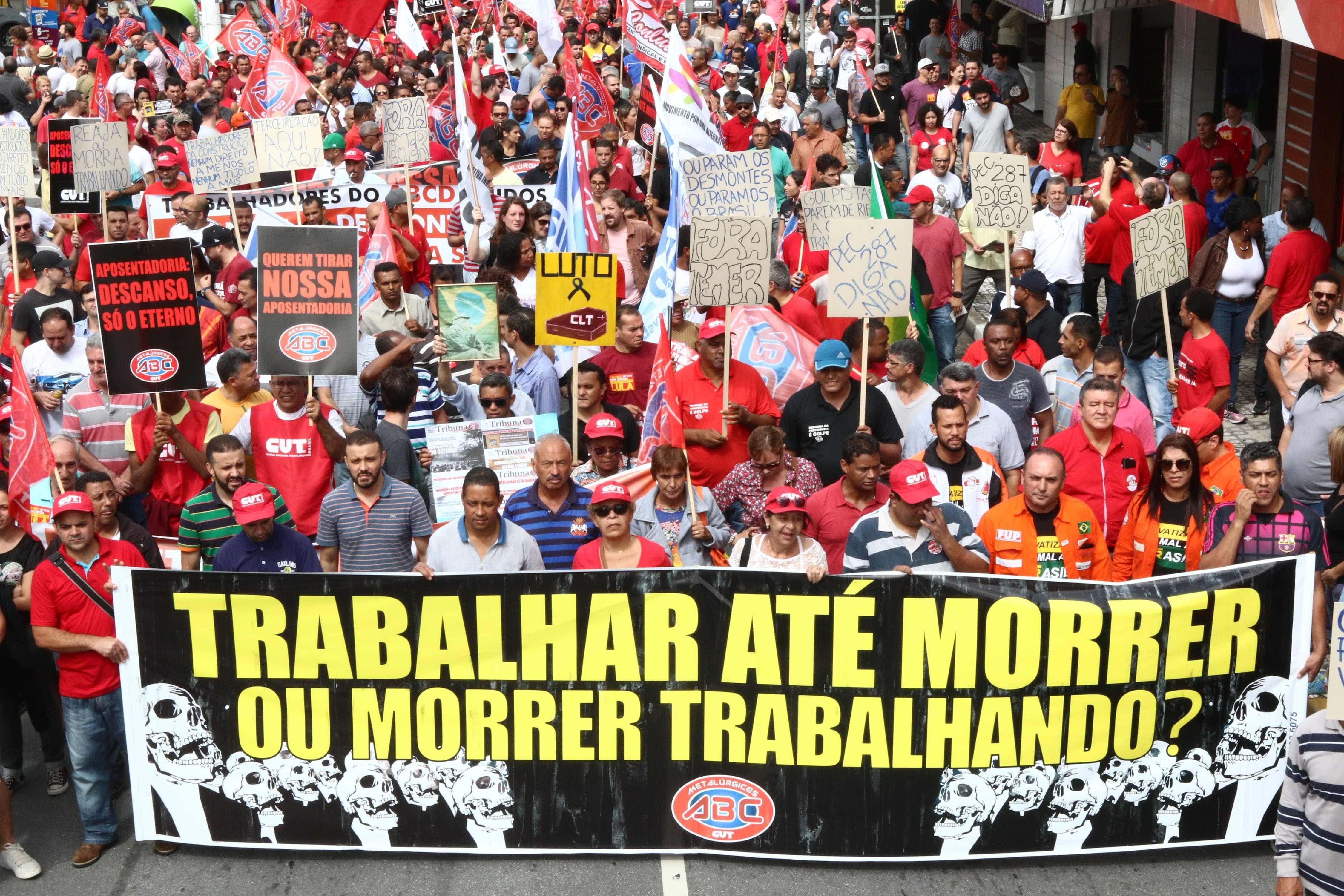 Com Moro, indústria articula reduzir número de sindicatos