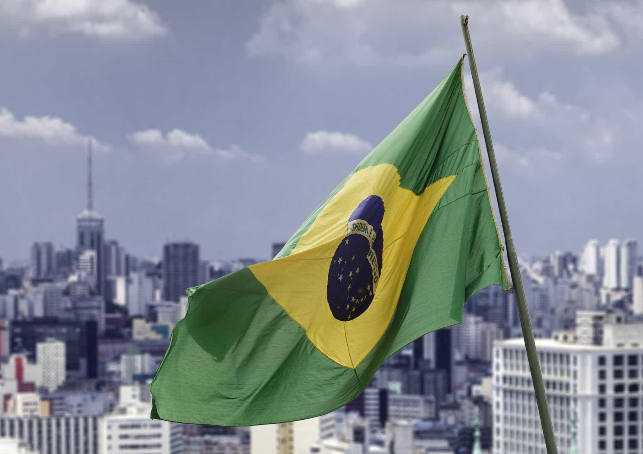 Brasil é social-democracia presa em corpo de emergente, diz economista