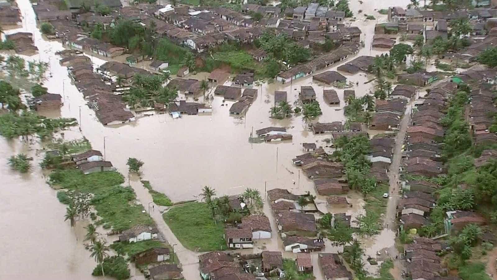 PF prende 4 coronéis da PM de PE por desvio de dinheiro de enchentes