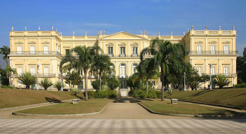 Campanha quer reabrir sala de dinossauros do Museu Nacional, no Rio