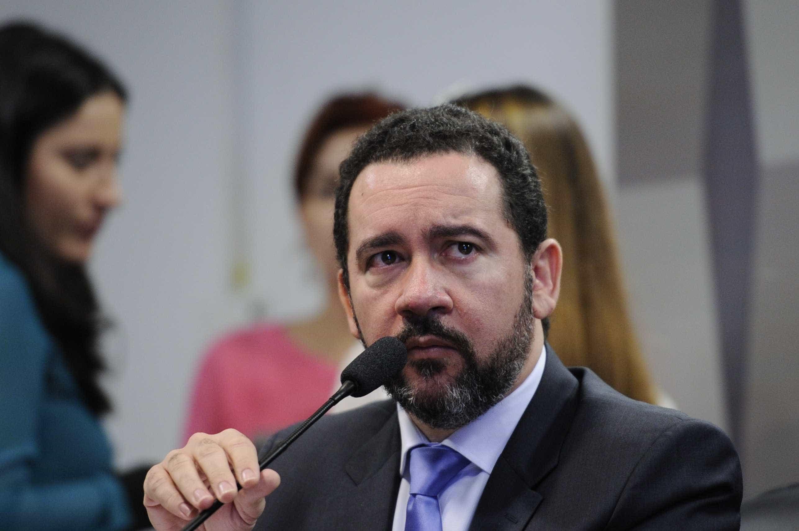 Relatório mostra que Brasil tem maior nível de engessamento, diz Dyogo