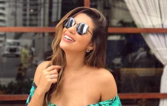 Vivian Amorim assume bancada do Video Show para salvar audiência