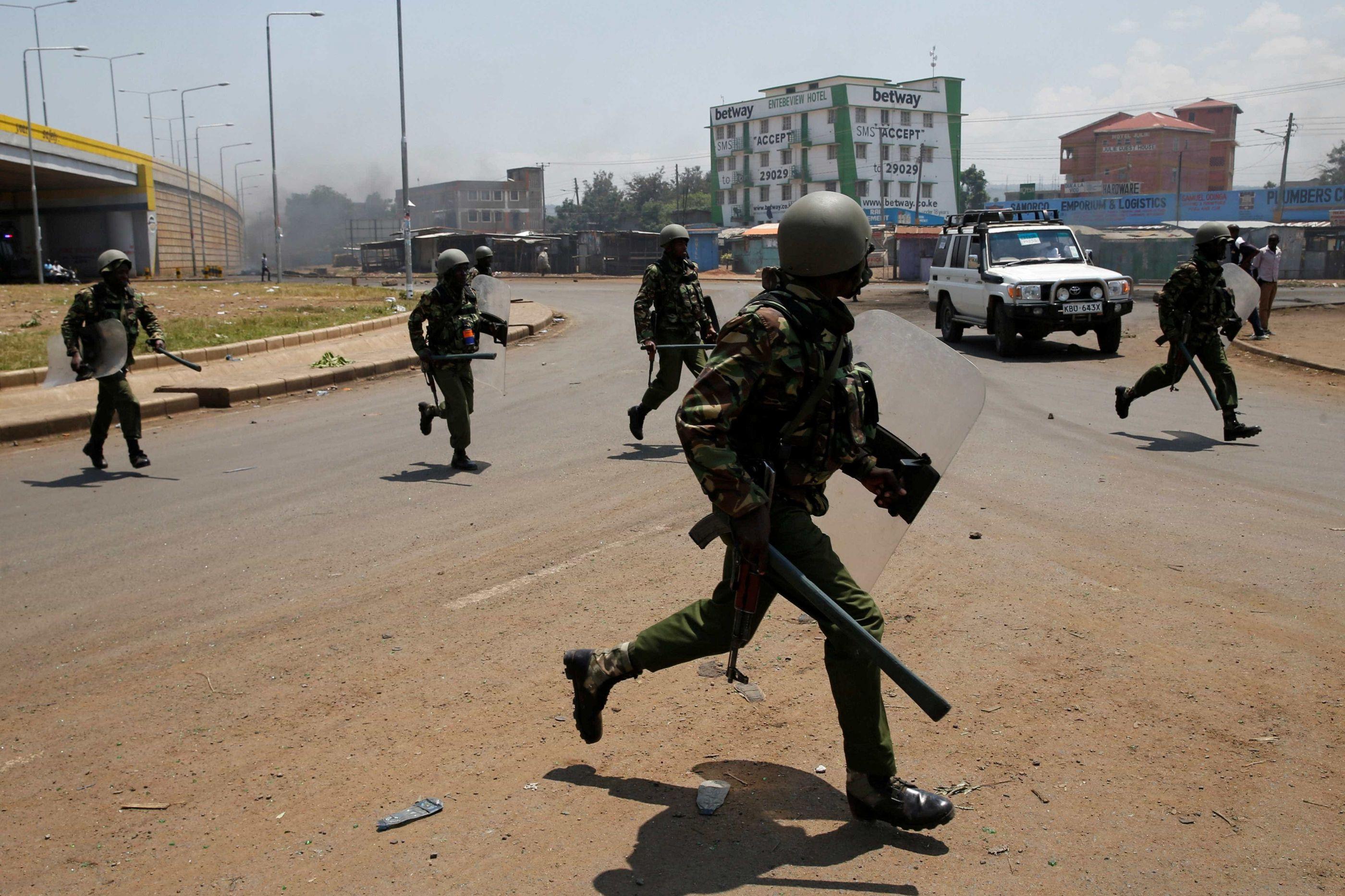 Explosão de bomba artesanal mata oito pessoas no Quênia