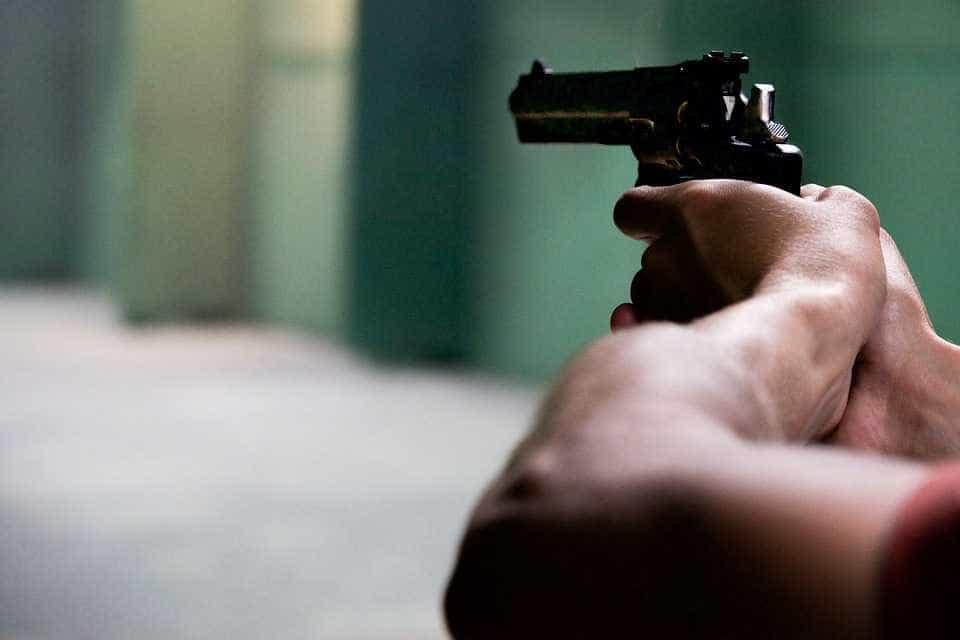 Flexibilização do porte de armas sofre resistência na bancada da bala