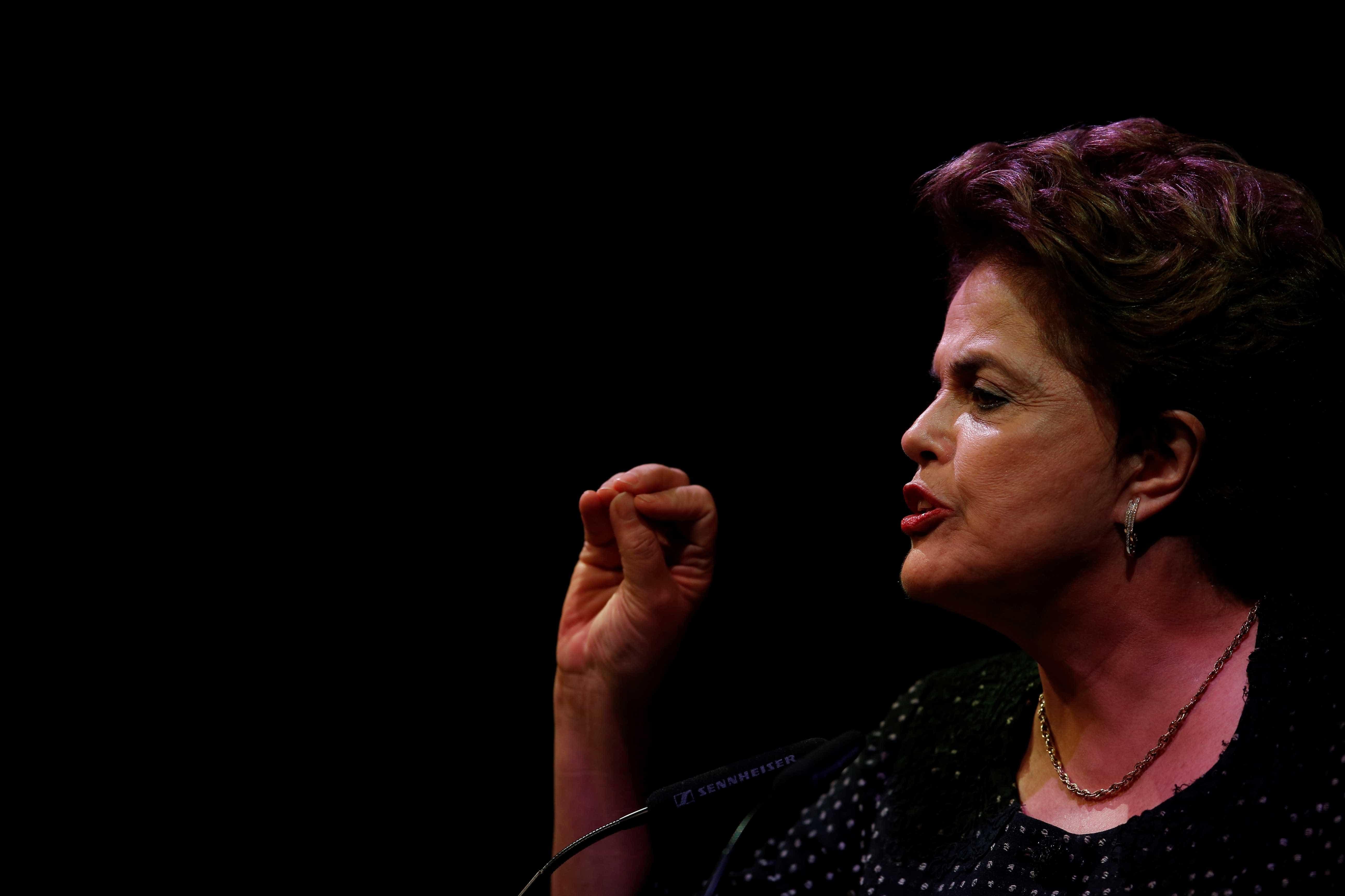 PT formaliza candidatura de Dilma Rousseff ao Senado