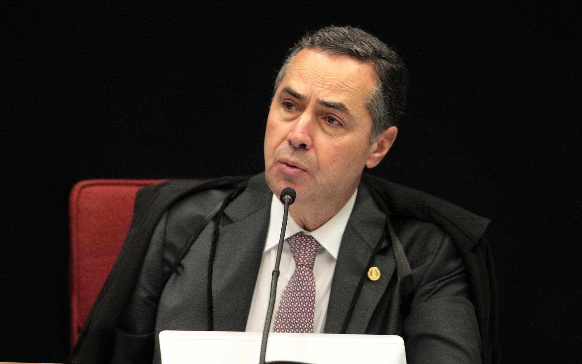 Barroso: 'Problema é juiz achar que o poder existe para proteger amigo'