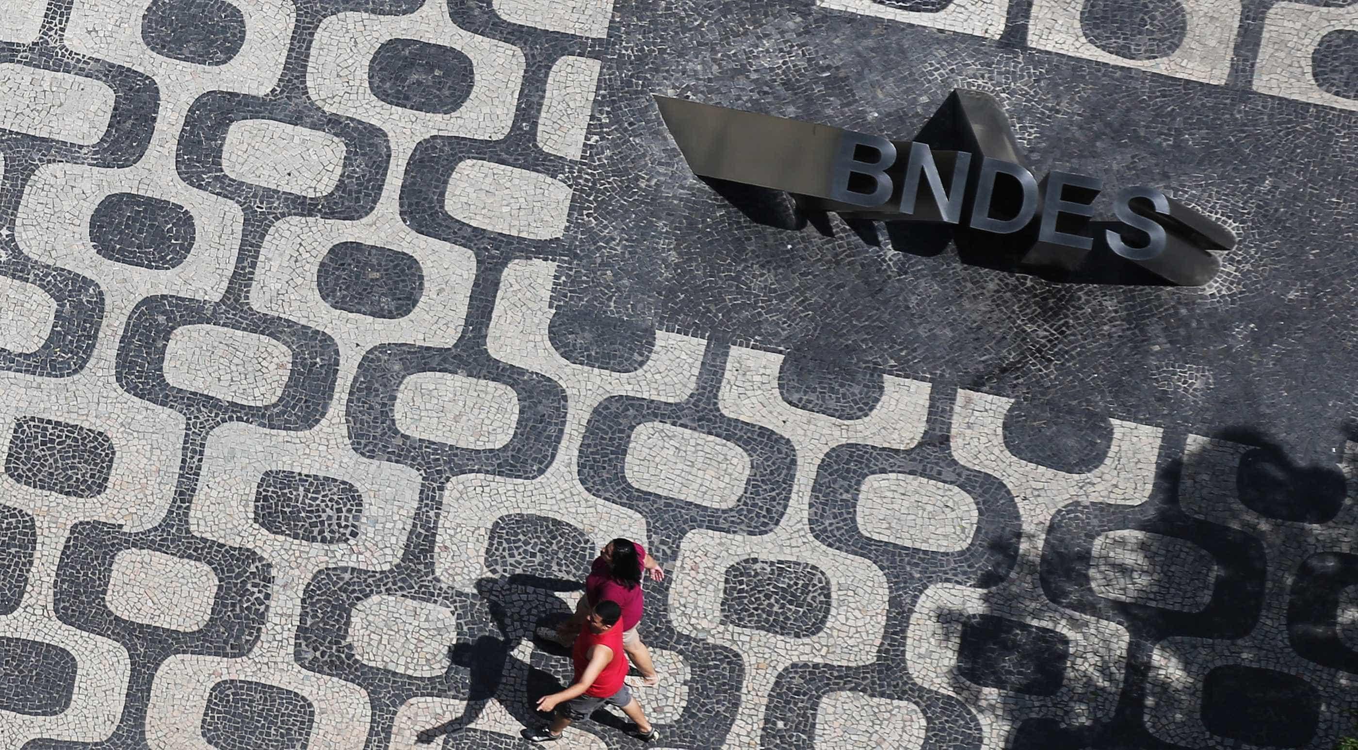 Com despesas de câmbio, lucro do BNDES cai para R$ 1,6 bilhão