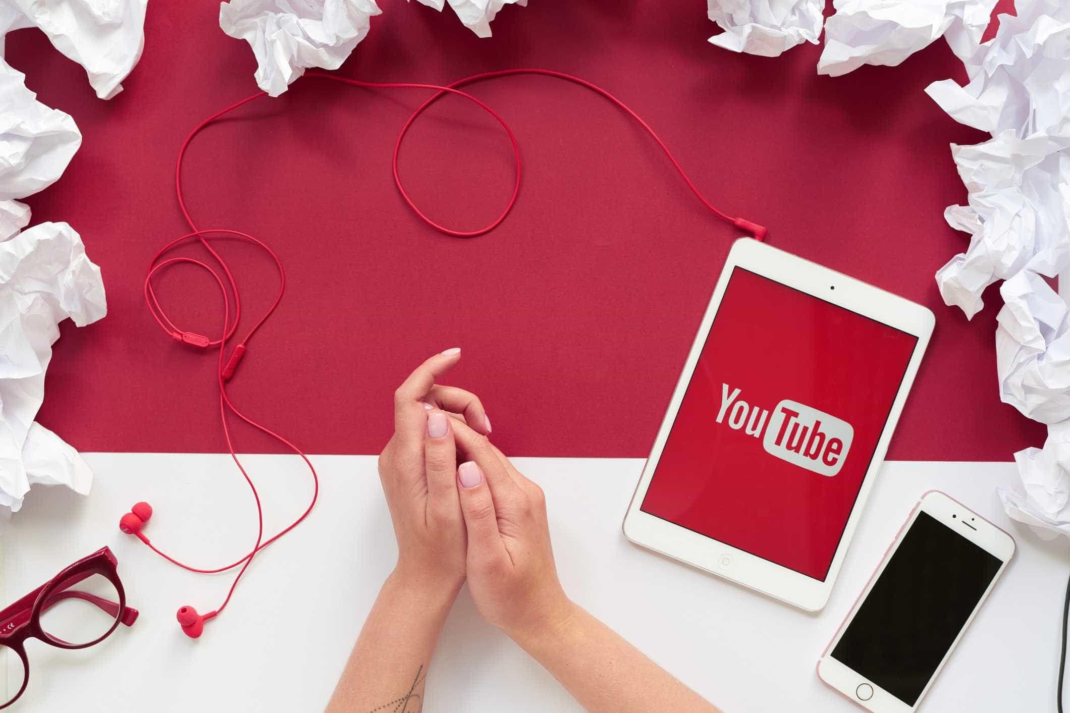 YouTube ignorou pedidos para remover vídeos falsos