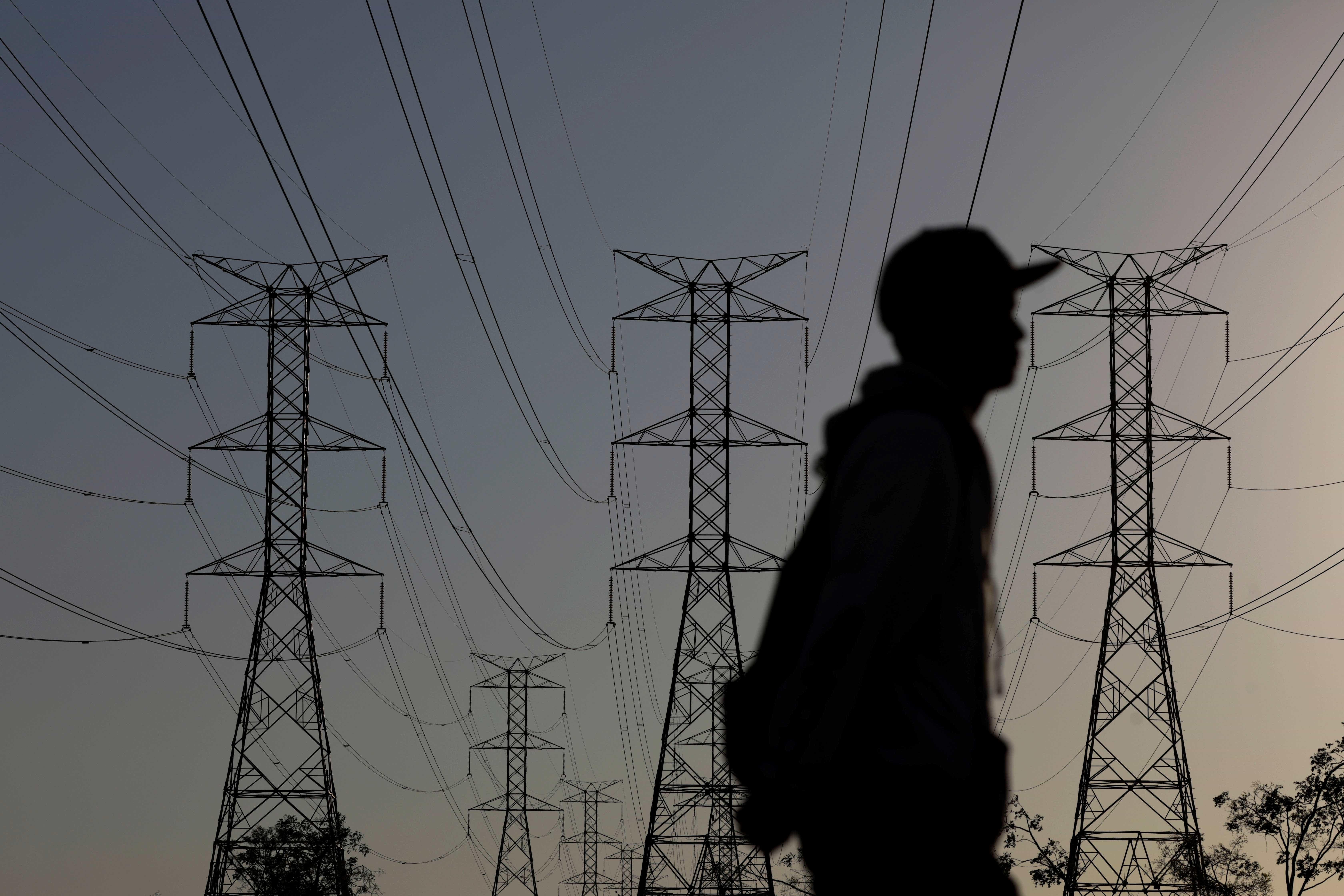 Justiça suspende reajustes tarifários de três distribuidoras de energia