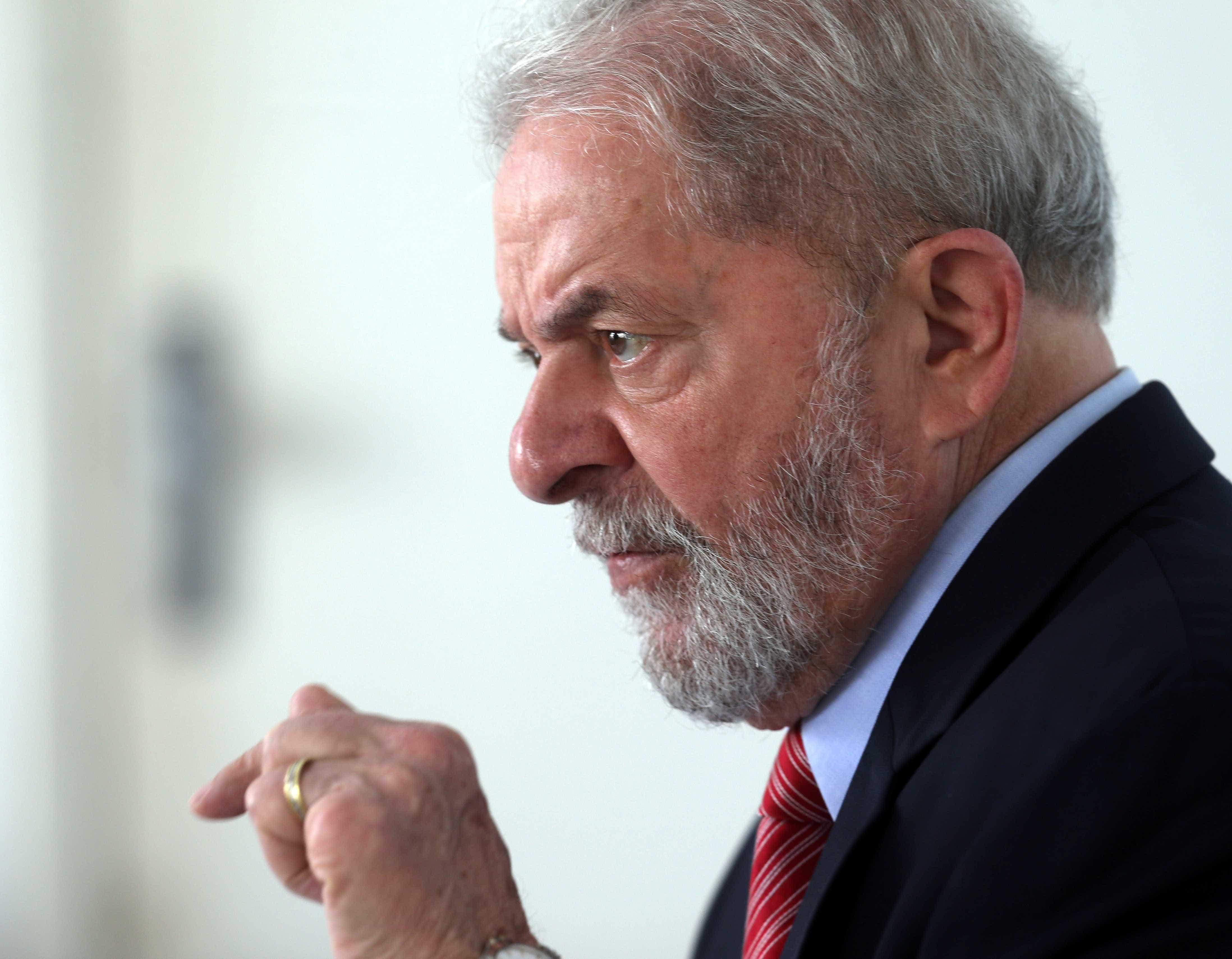 PT tem até esta terça para indicar substituto de Lula
