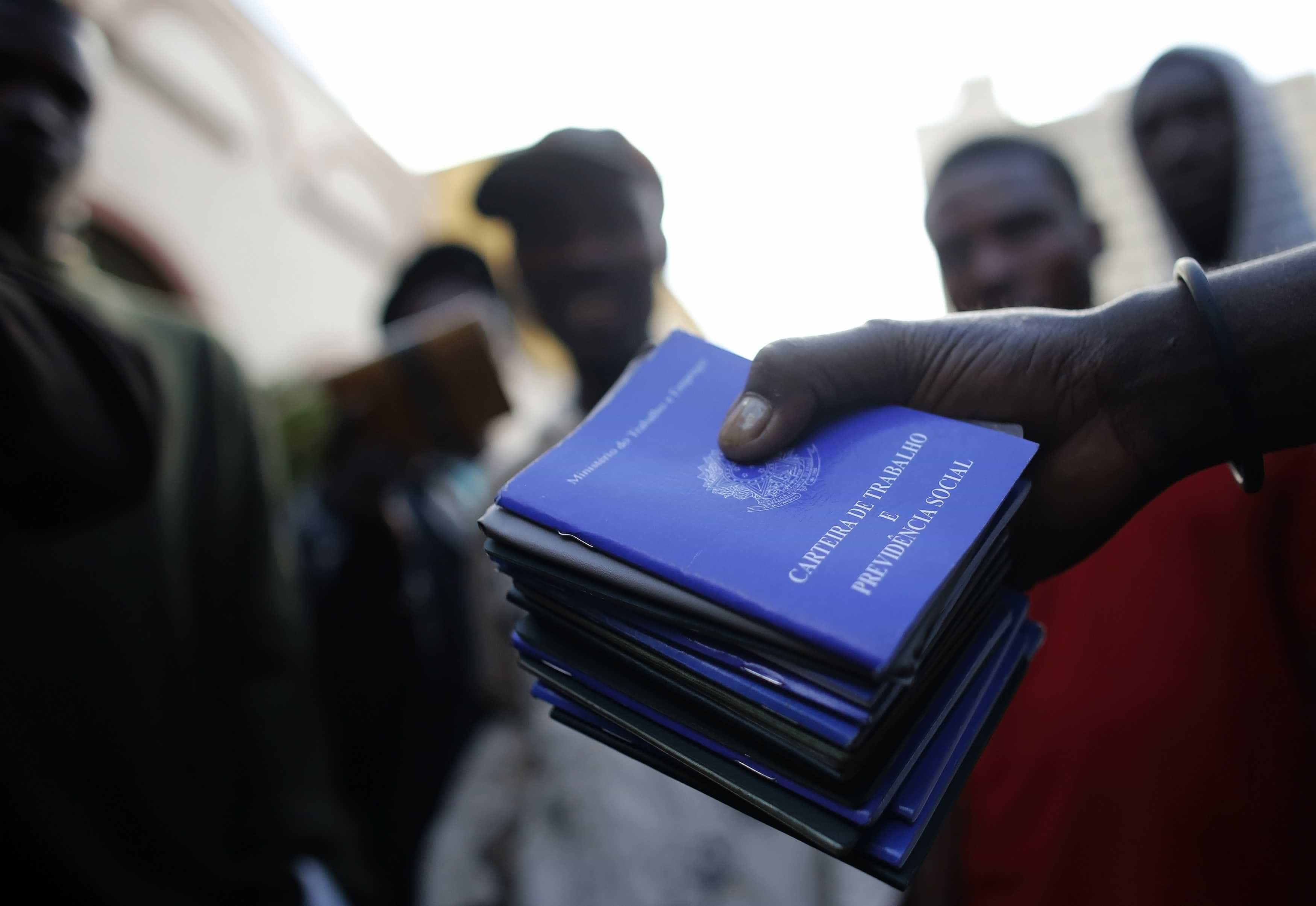 Decreto permite terceirizar principais atividades de estatais