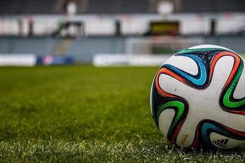 Jogador de clube da Bahia morre vítima de parada cardíaca após treino