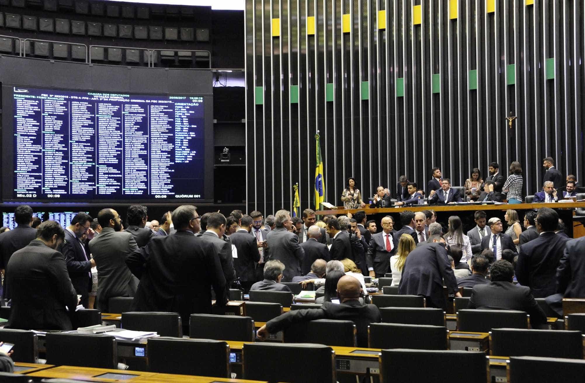 Deputado do PSL propõe criação de secretaria de 'desesquerdização'