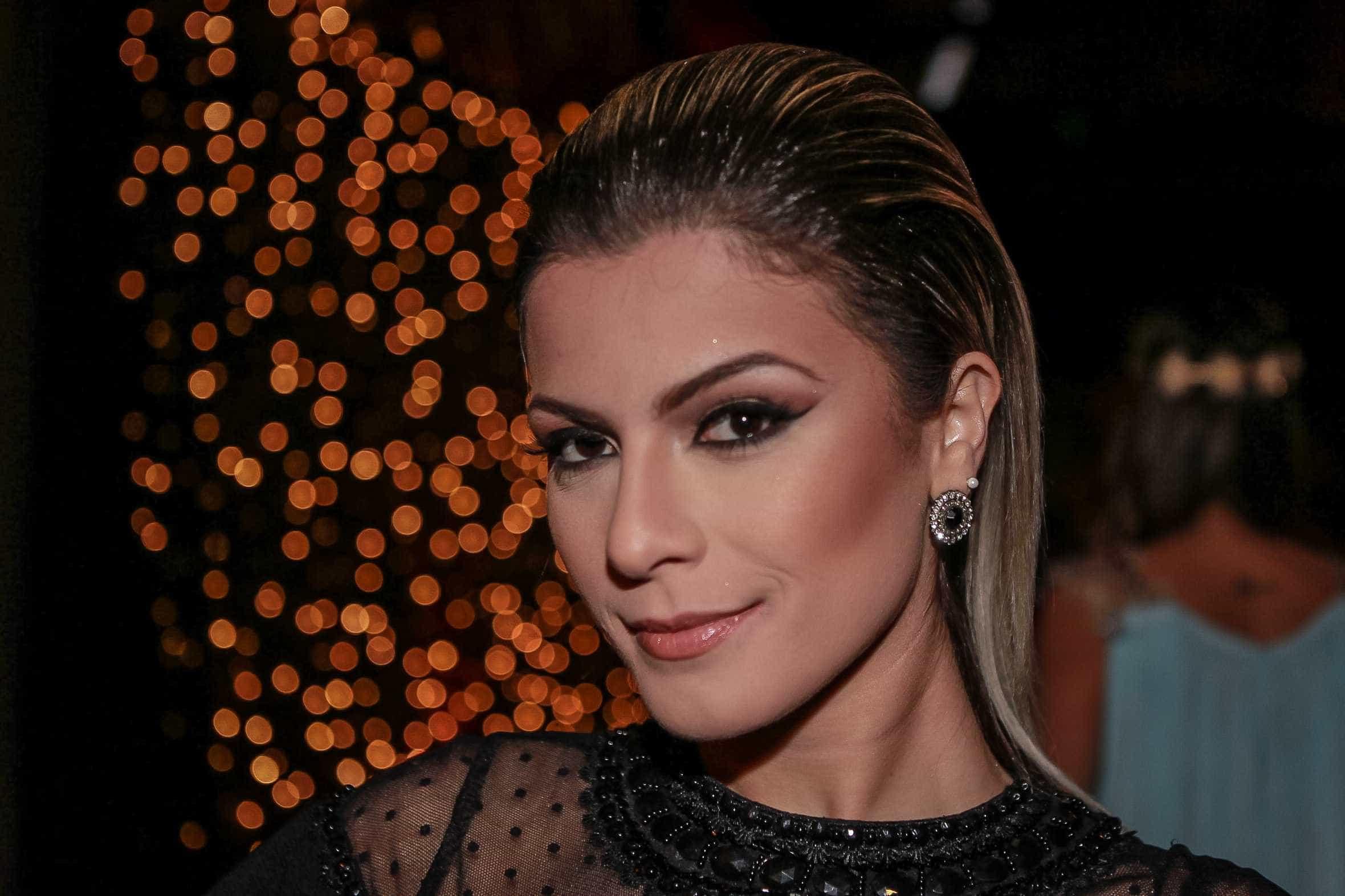 Babi Rossi diz que recebe propostas para fazer programa 'íntimo'