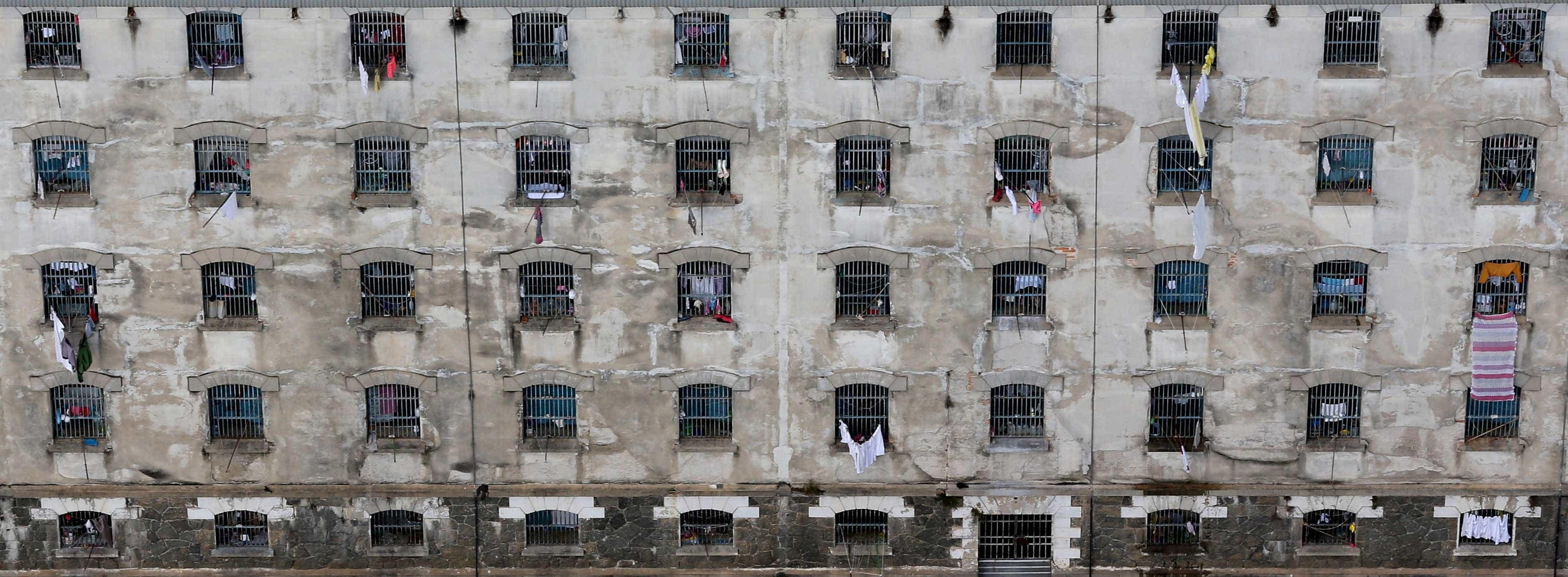 Taxa de ocupação dos presídios brasileiros é de 175%,mostra CNMP
