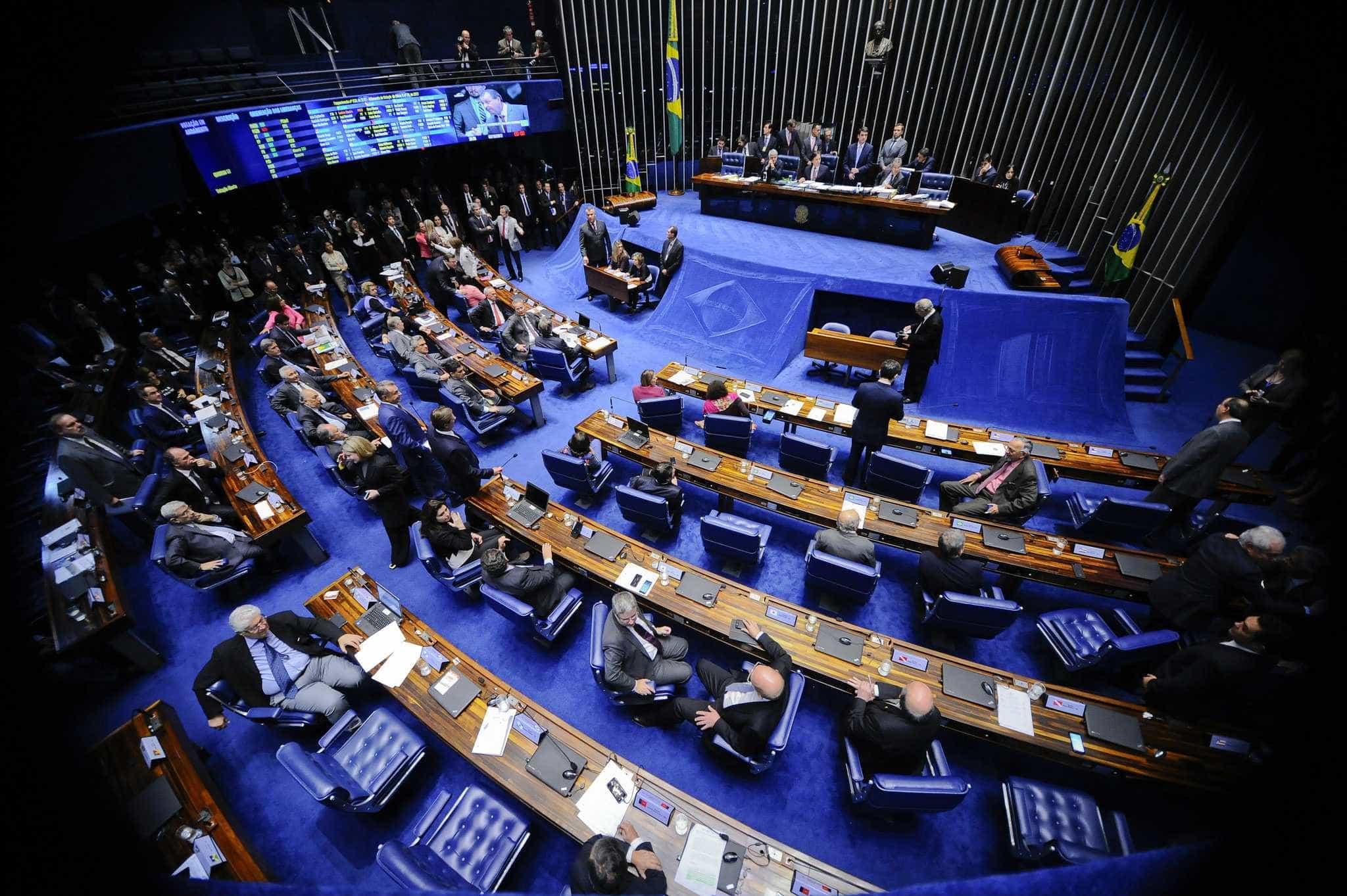 Dos 24 senadores alvos da Lava Jato, 17 devem tentar a reeleição
