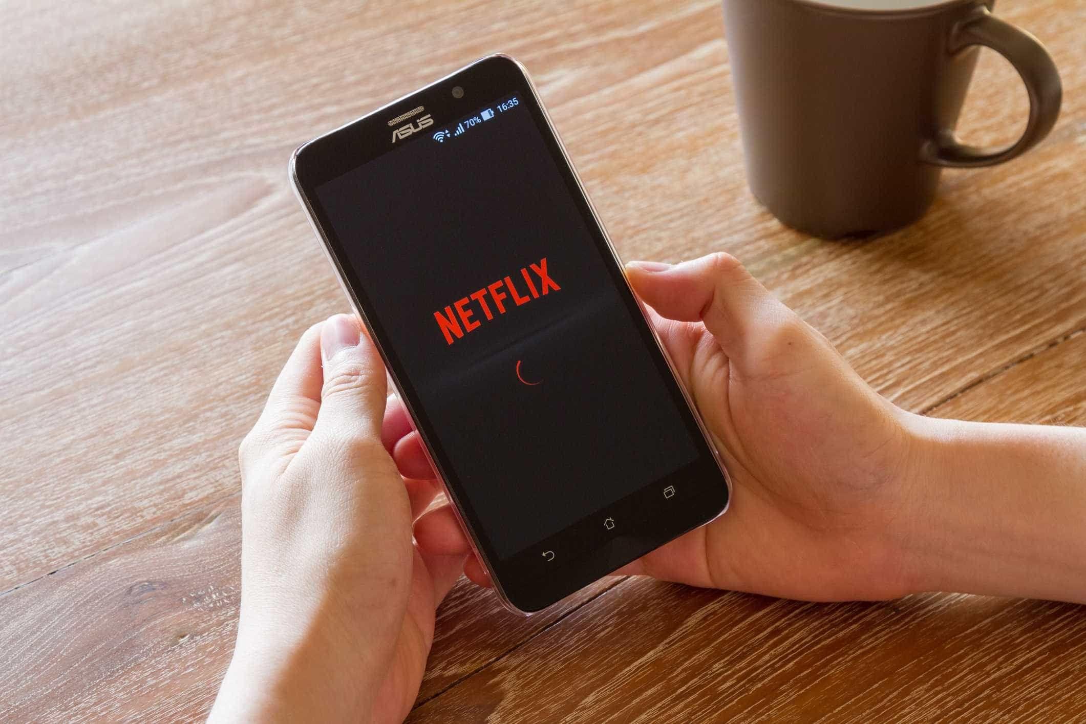 Uma das opções mais úteis da Netflix chega ao iPhone