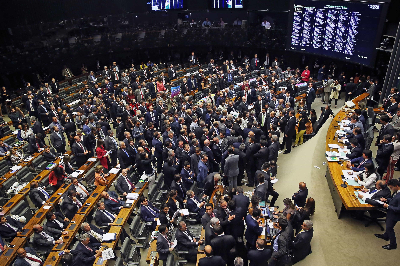 Congresso tentará votar projetos polêmicos a 15 dias do recesso