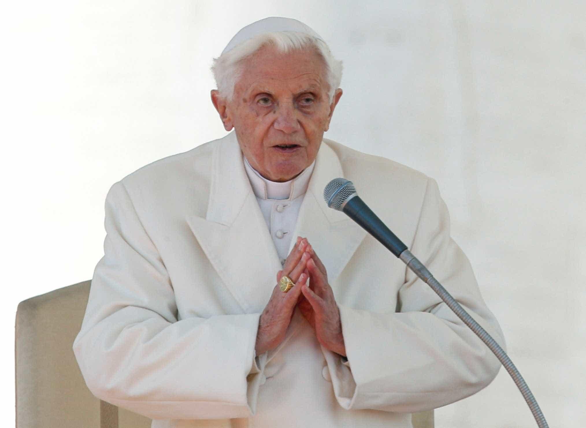 Em carta, Bento XVI defende sua decisão de renunciar