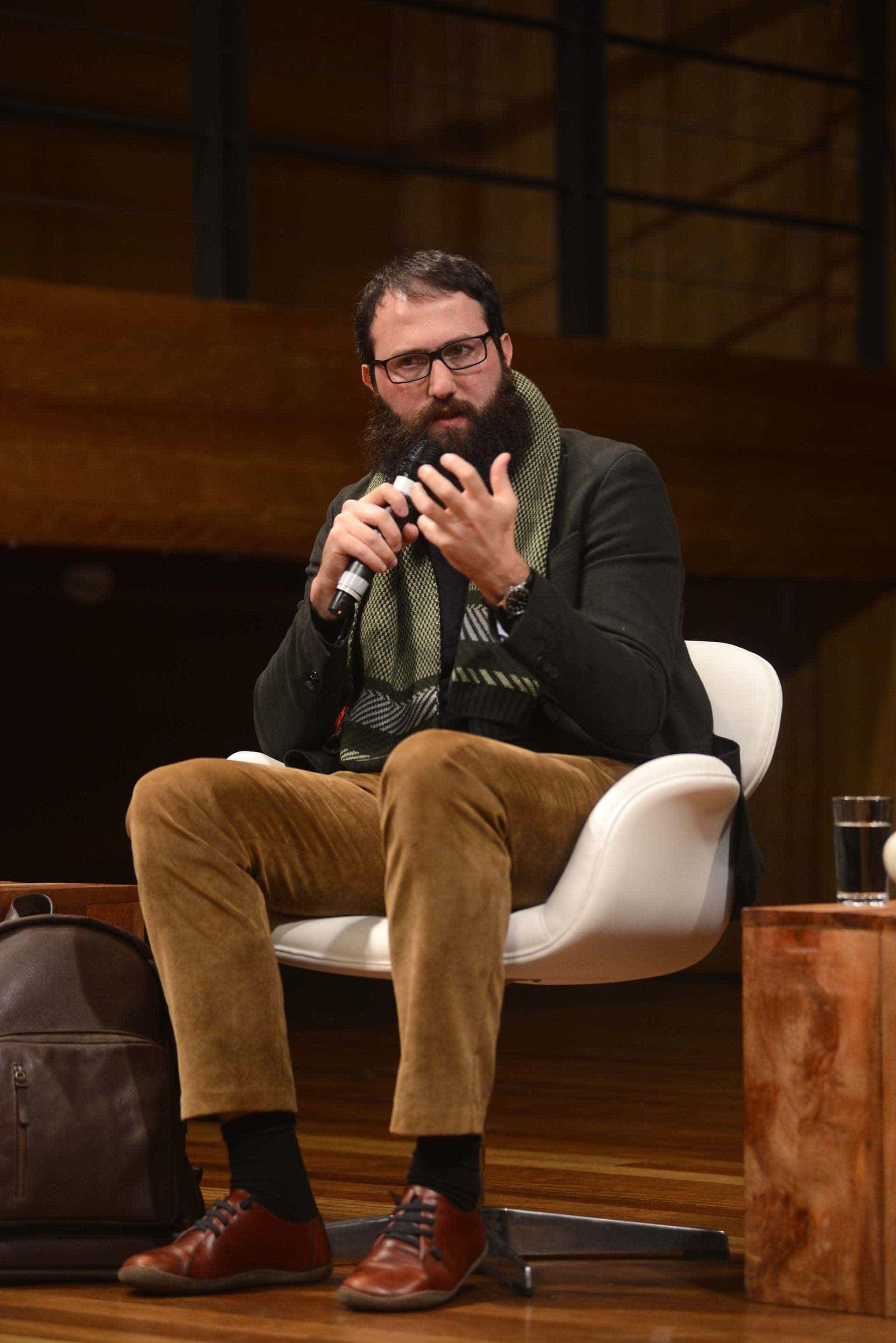 Escritor brasileiro Julián Fuks vence prêmio alemão de novos talentos